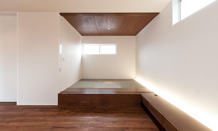リビングと自然につながるようデザインされた和室。