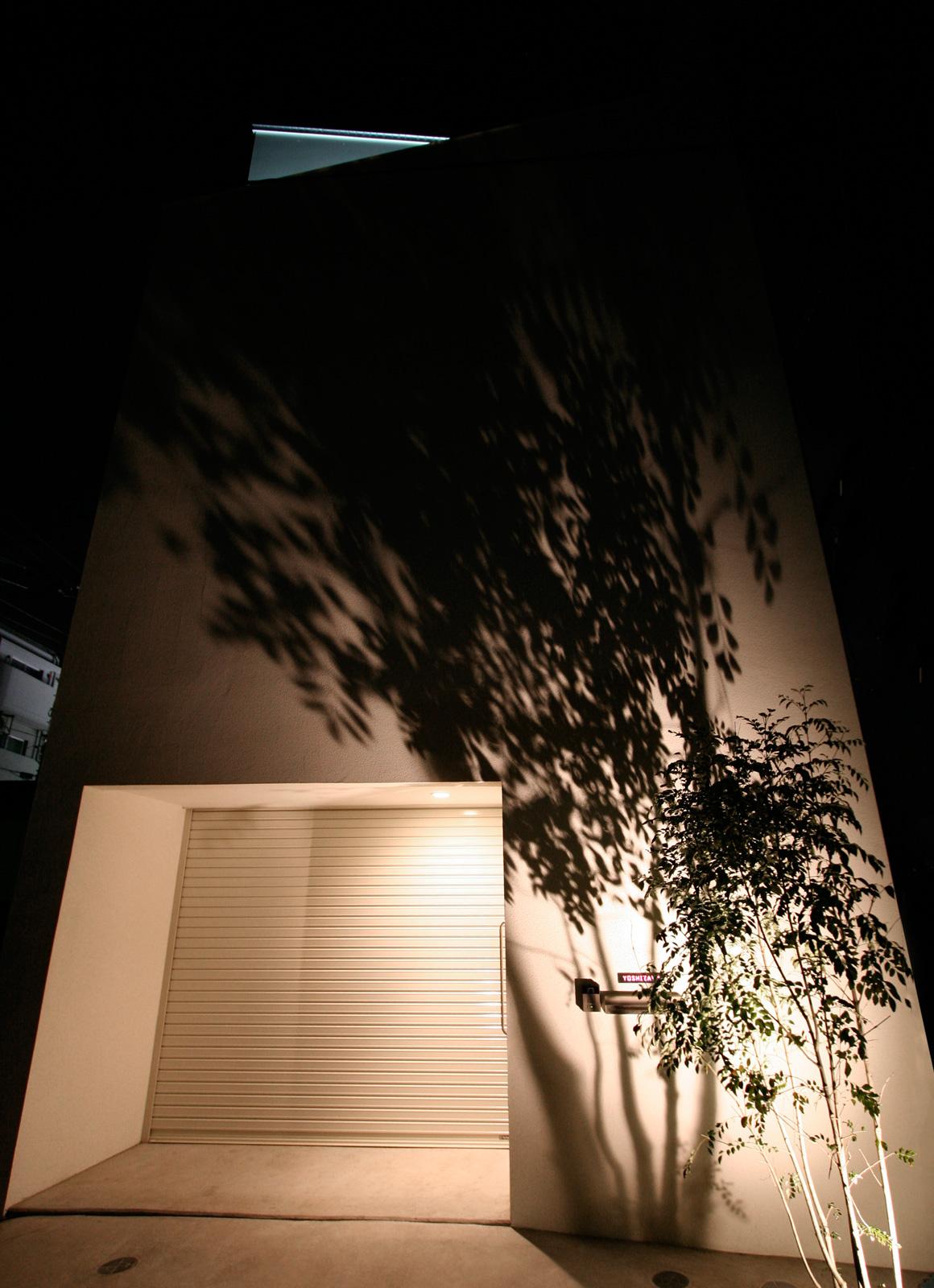 インナーテラスのある明るい住宅の外観3