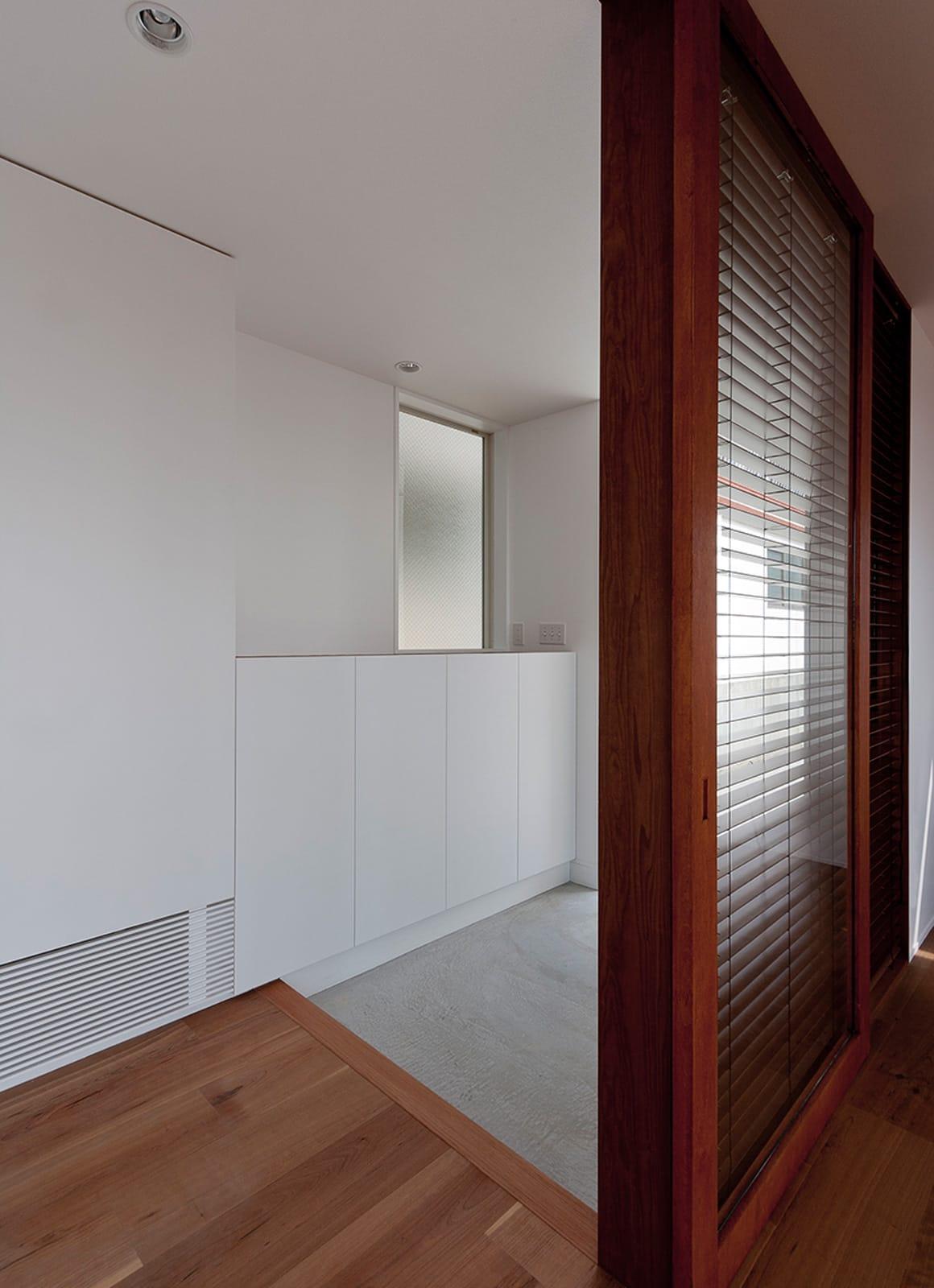 絶景!海を望む白い家の玄関(土間・ホール)2