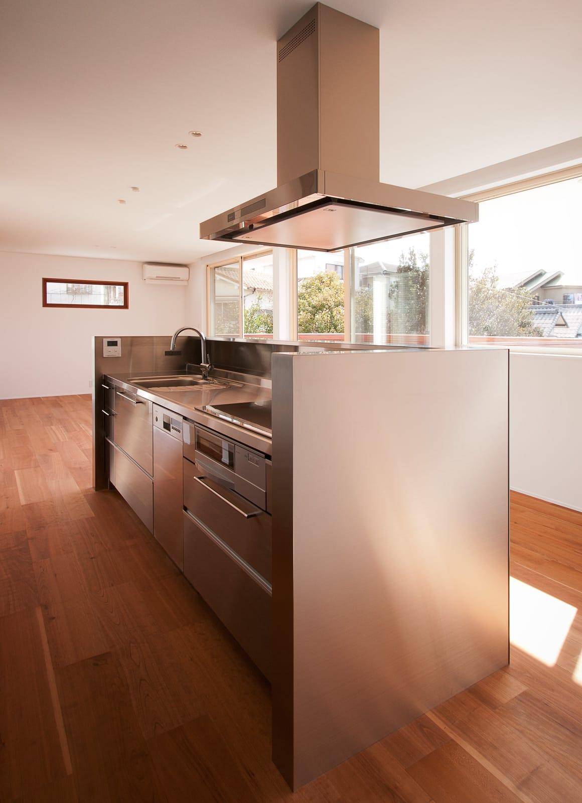 絶景!海を望む白い家のキッチン2