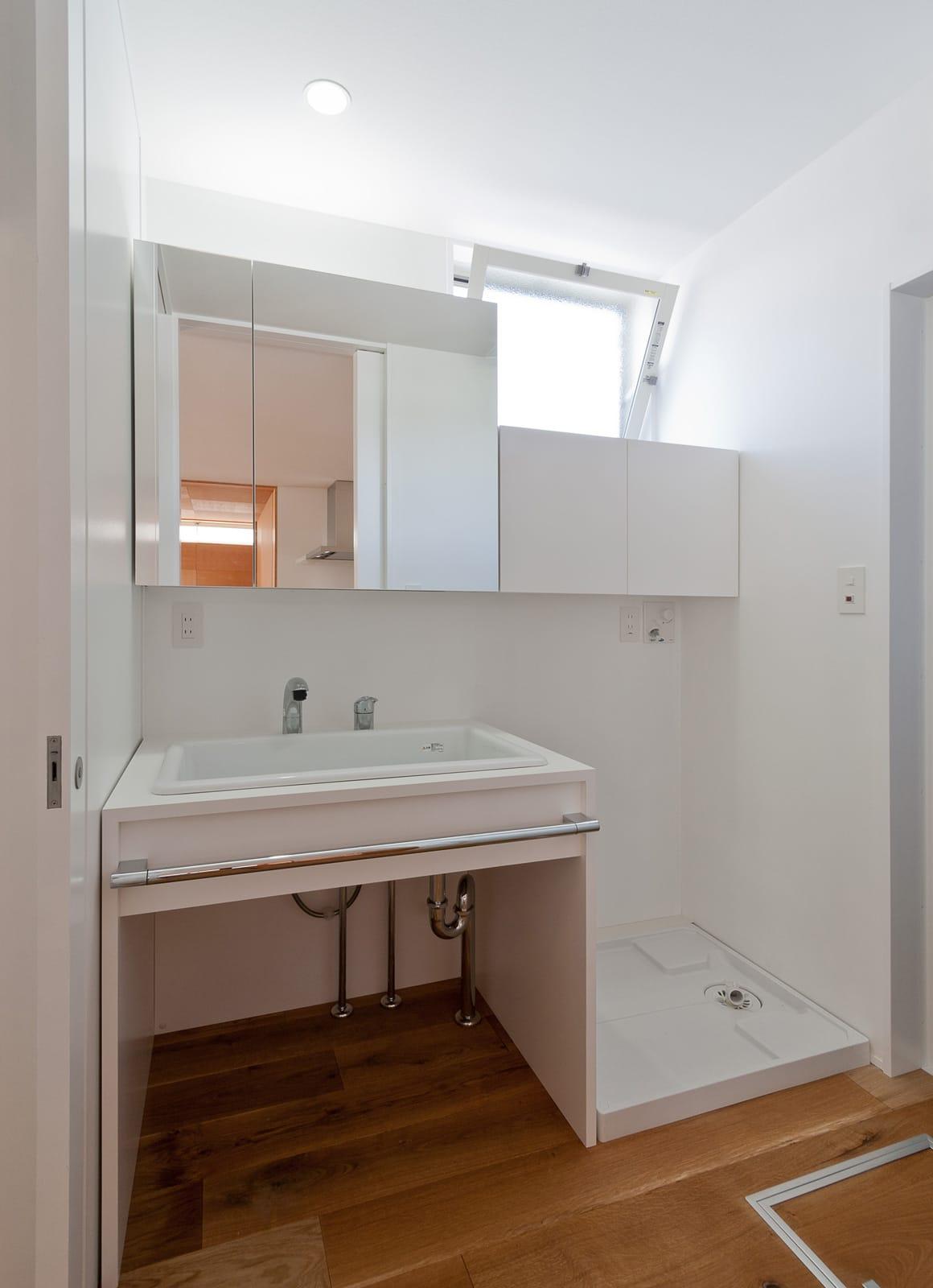 ピュアオーガニックハウスの浴室・洗面室1