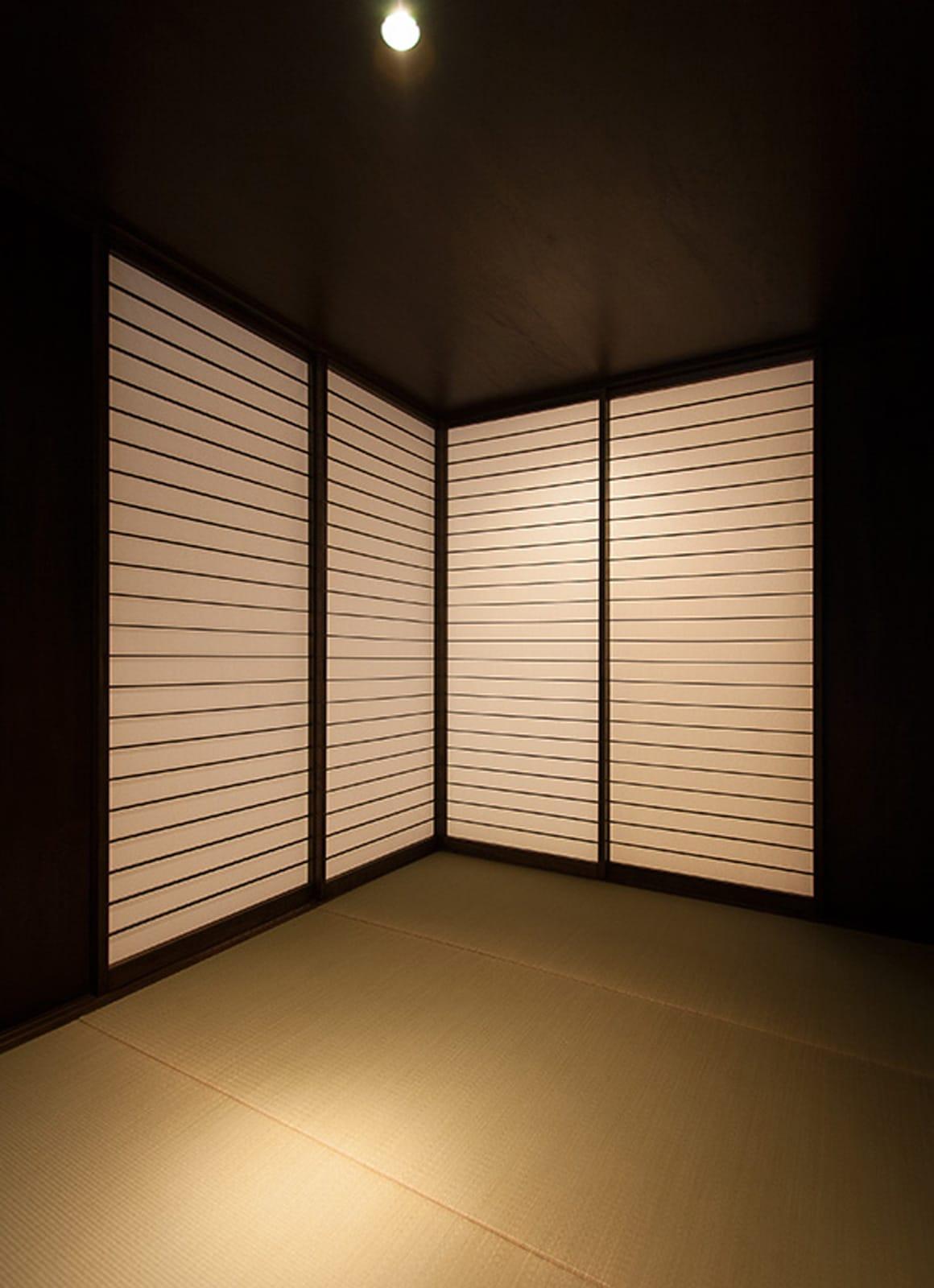 癒しのアクアリウムのある家の和室1