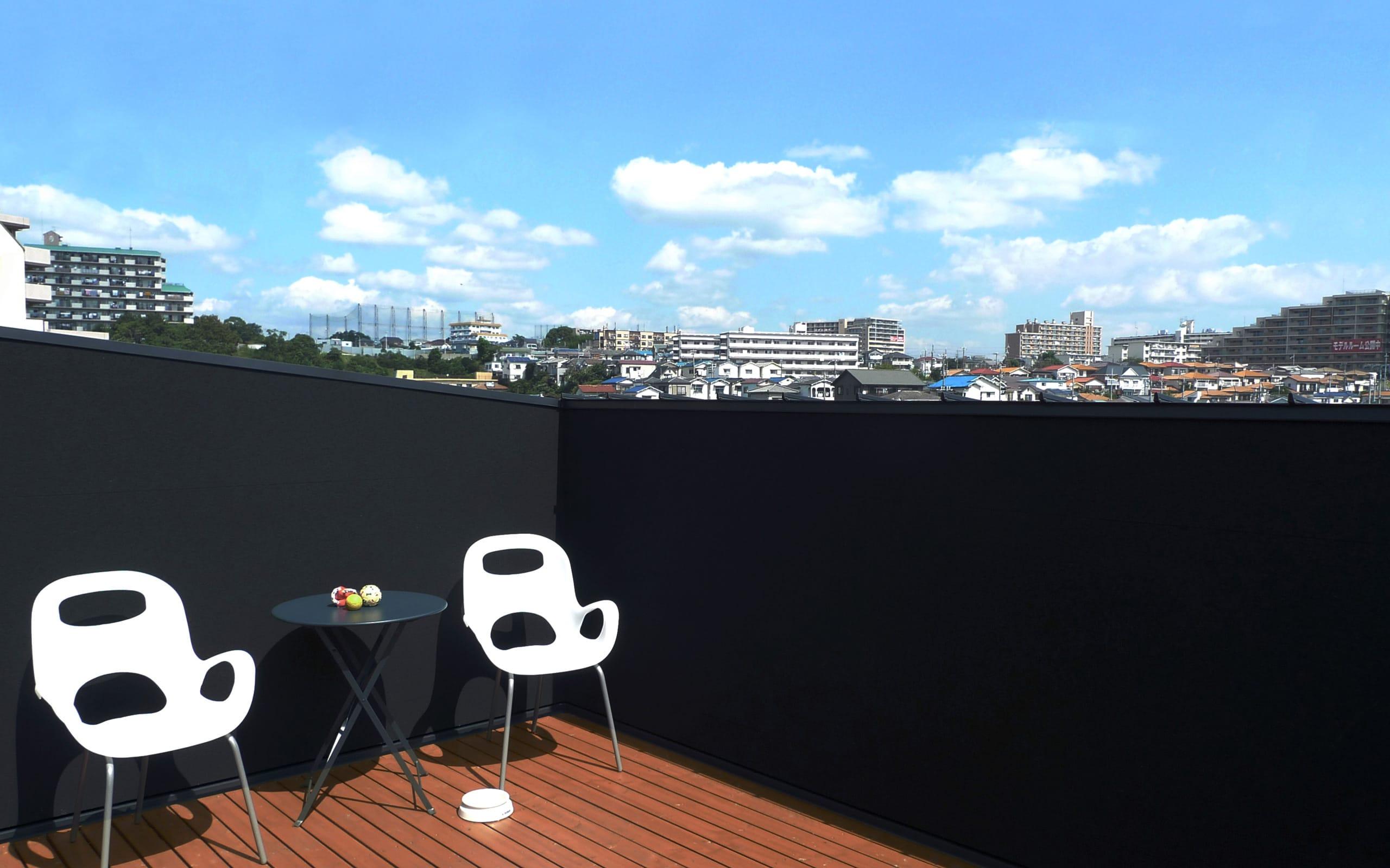 展望バルコニーのある家の屋上・テラス1