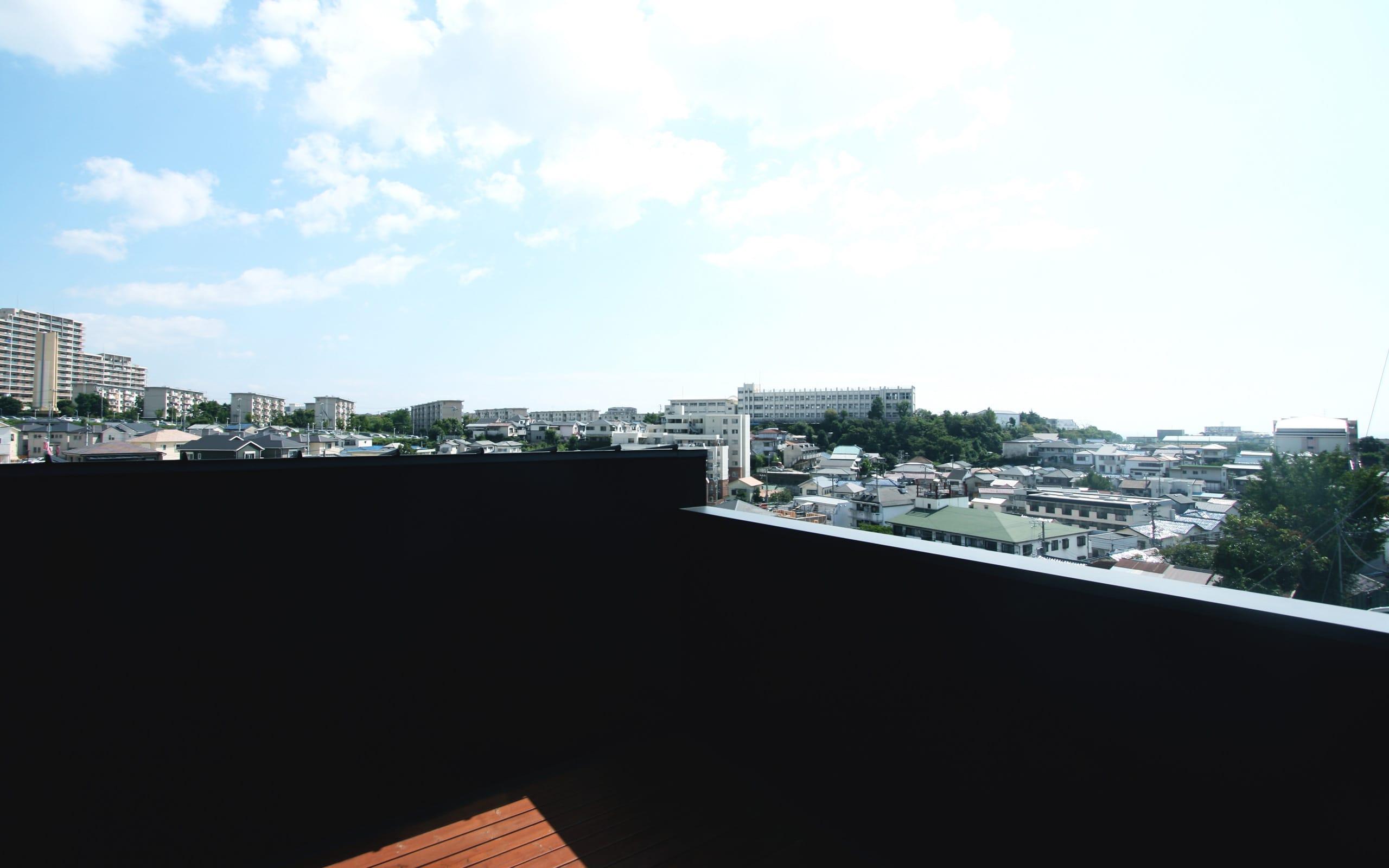 展望バルコニーのある家の屋上・テラス2