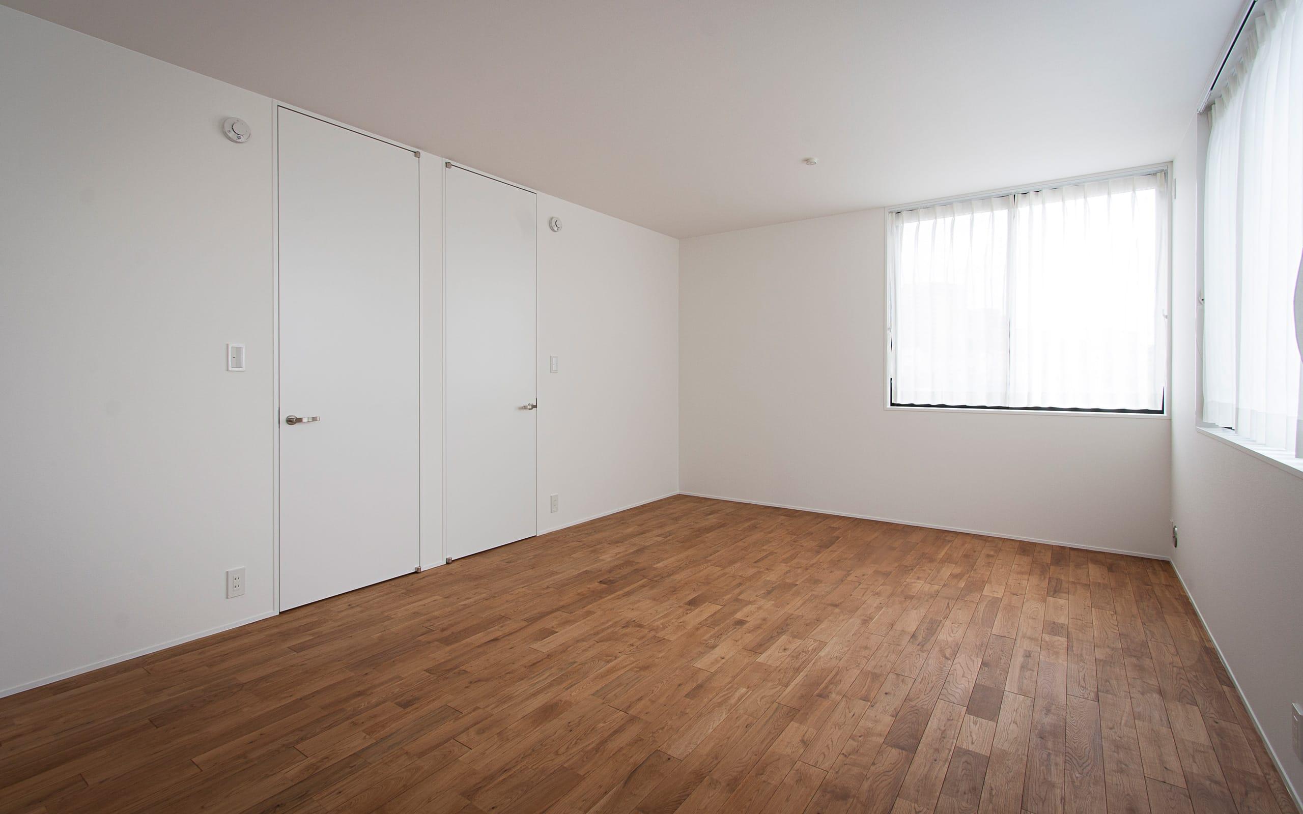 展望バルコニーのある家の部屋1