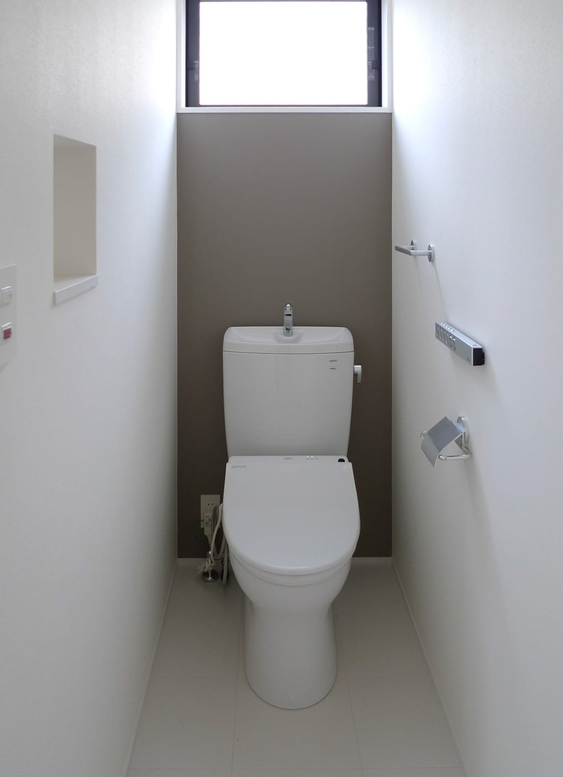 森の緑を楽しむみんなの集まる家のトイレ2
