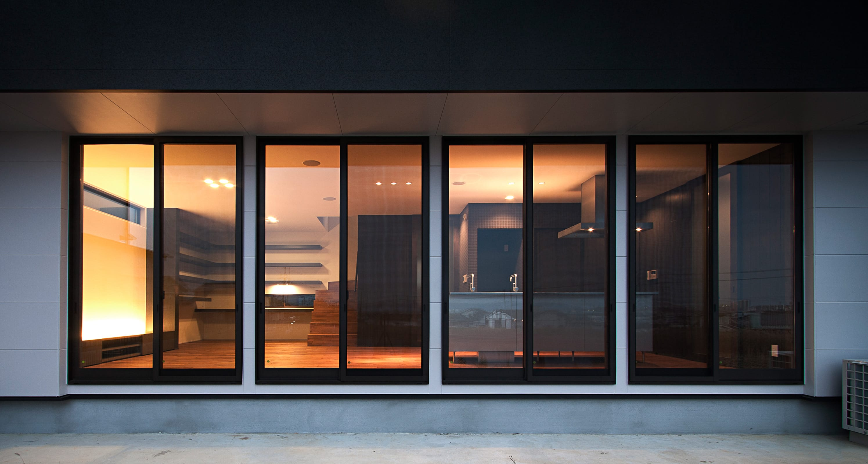 スローライフを楽しめる家の夕景(内部)2