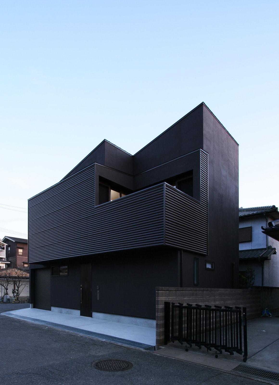 開放的なLDKのあるデザイン住宅の外観1