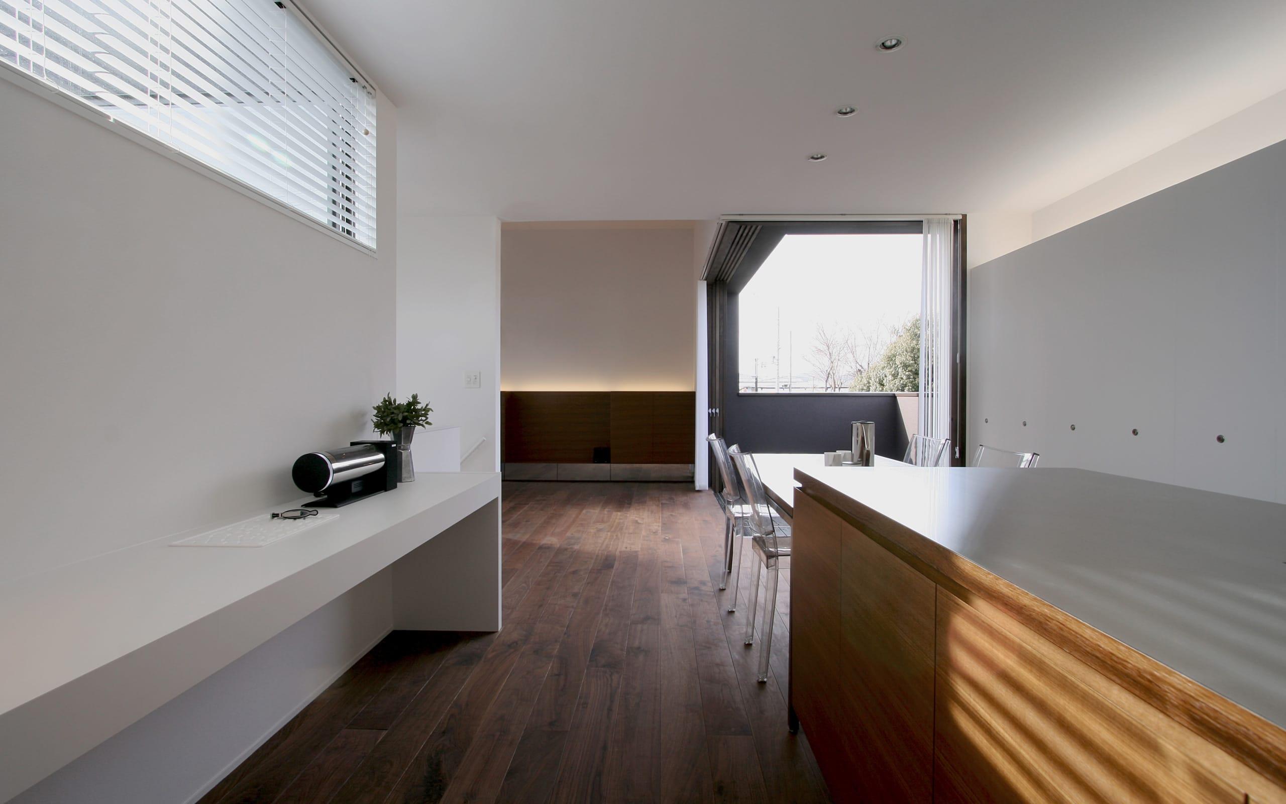 開放的なLDKのあるデザイン住宅のLDK2