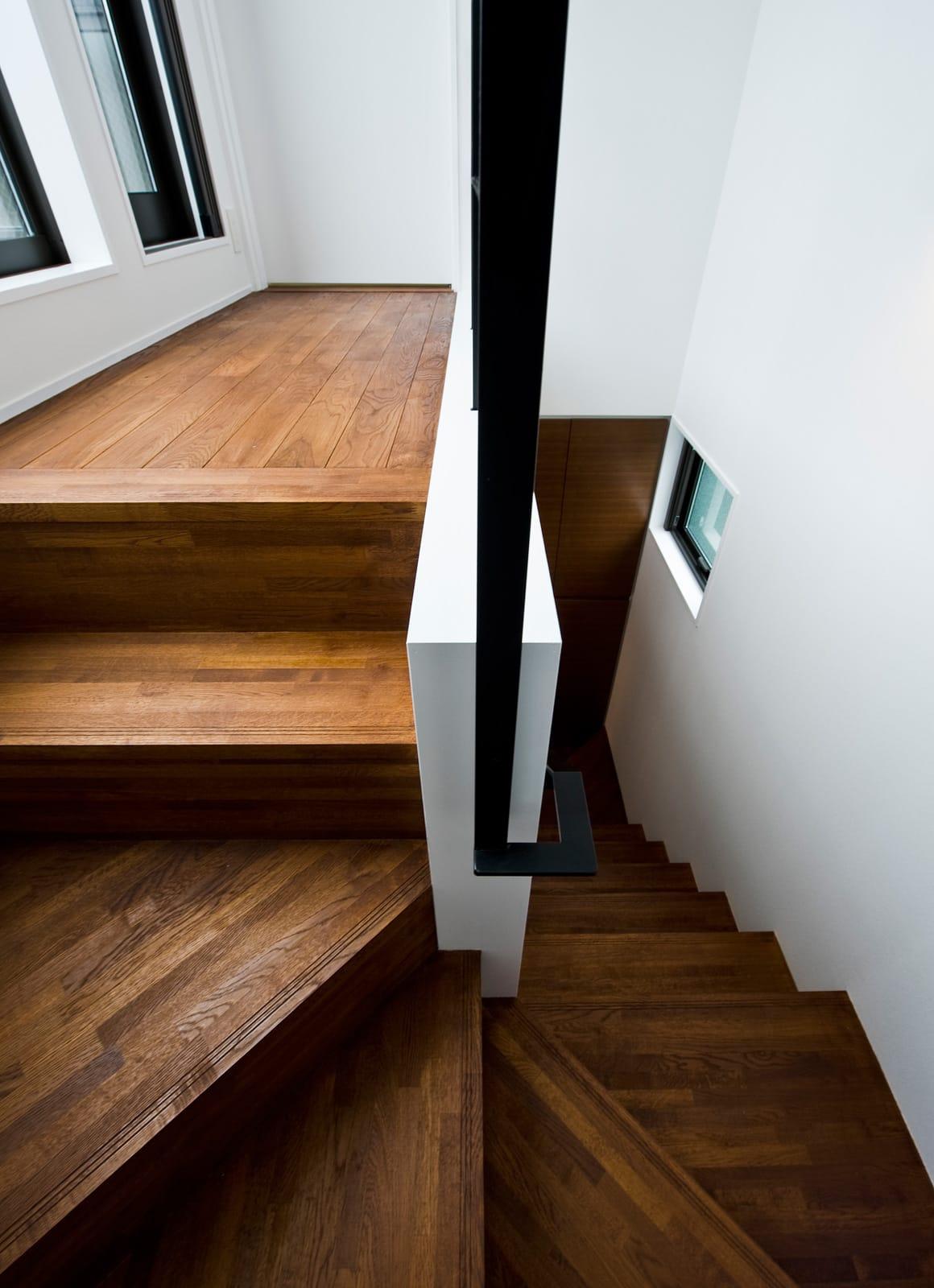 コンパクト須磨ッシュ住宅の階段2
