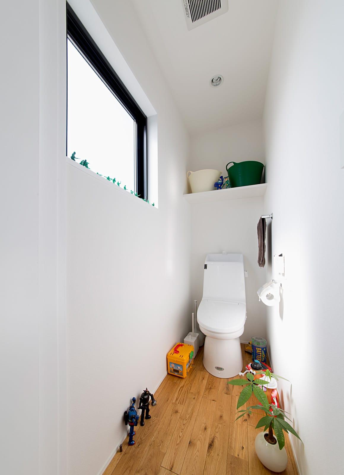 秘密基地のある家のトイレ1