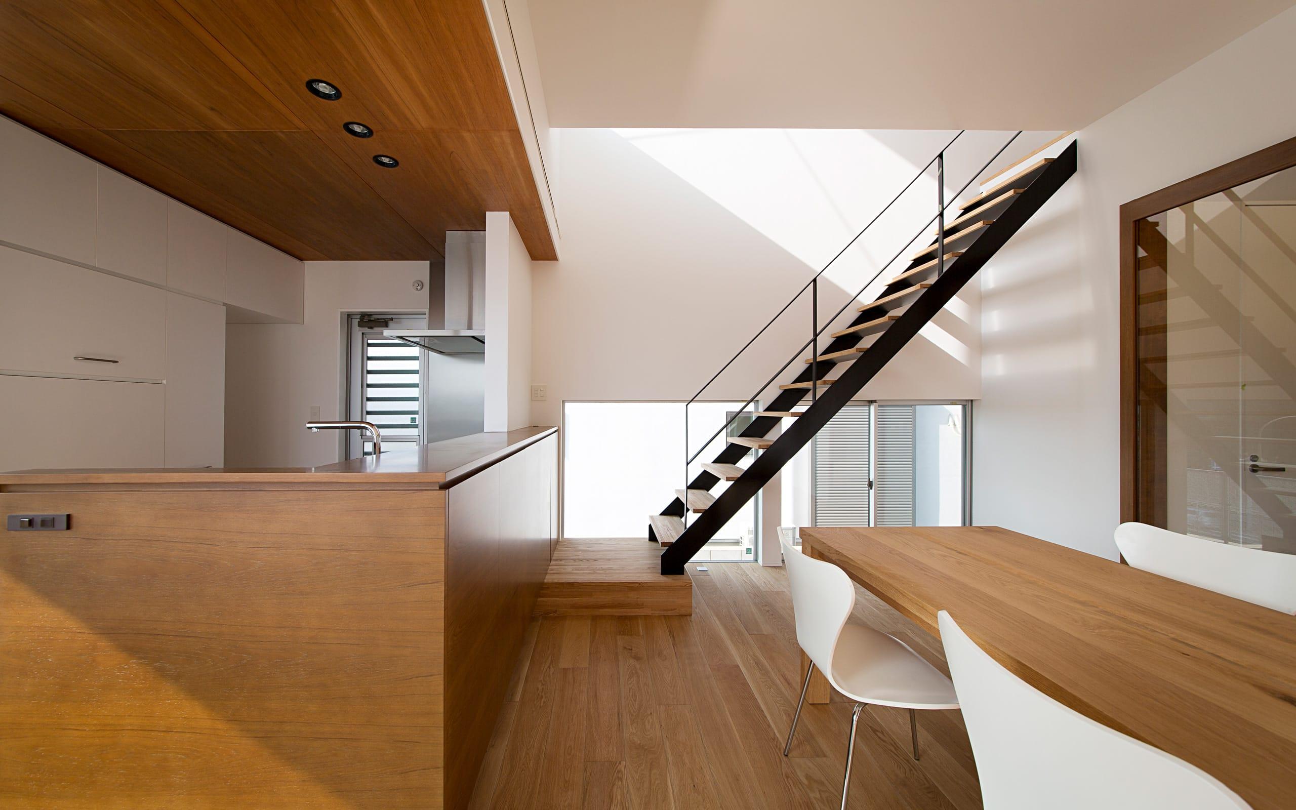 心地良いスキップハウスの階段(鉄骨製)1