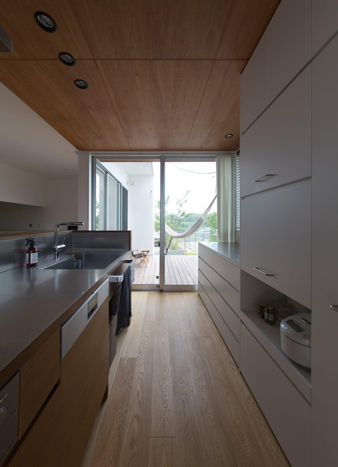 心地良いスキップハウスの収納(キッチン)1