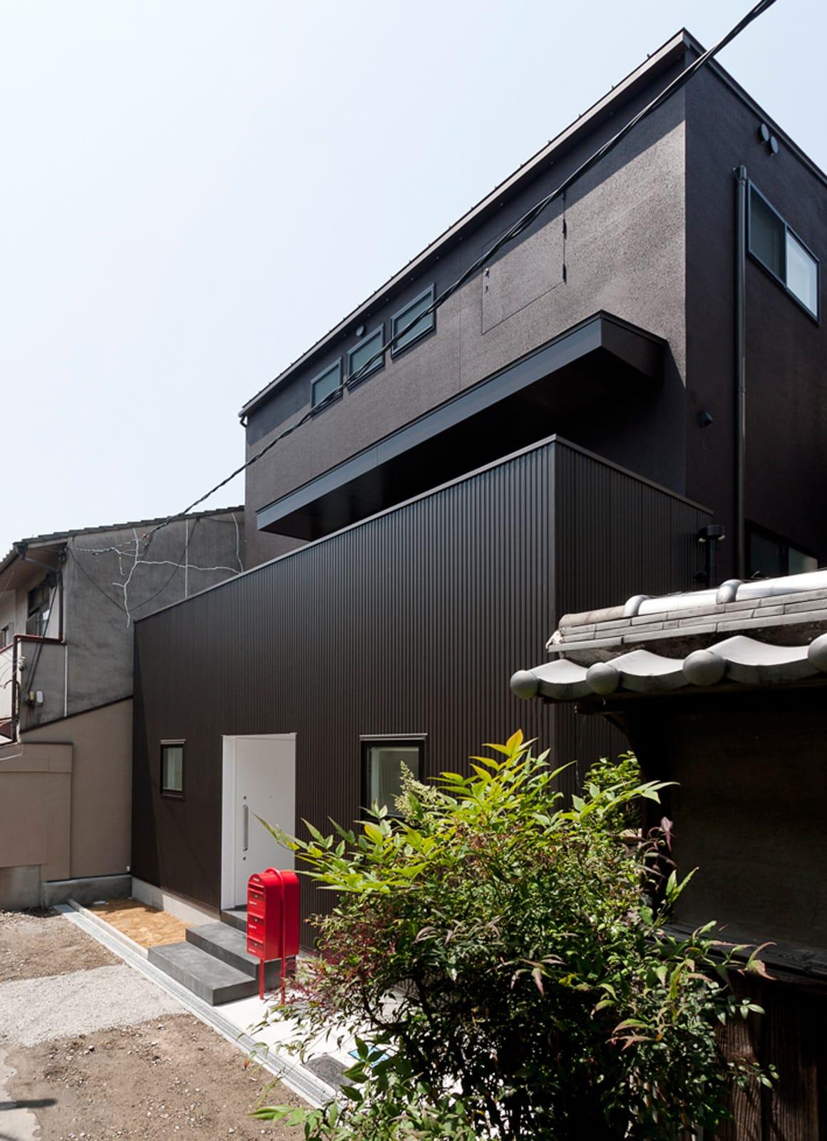 都市型三世帯住宅の外観1