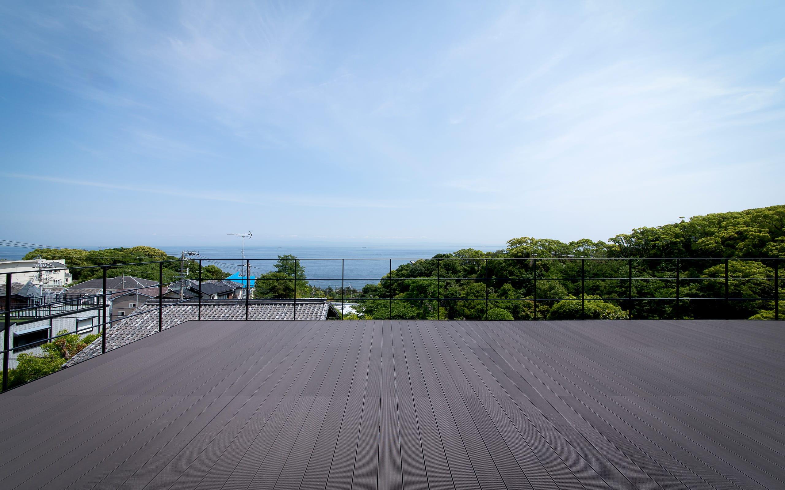 非日常スタジオ付ガレージ住宅の屋上・テラス1