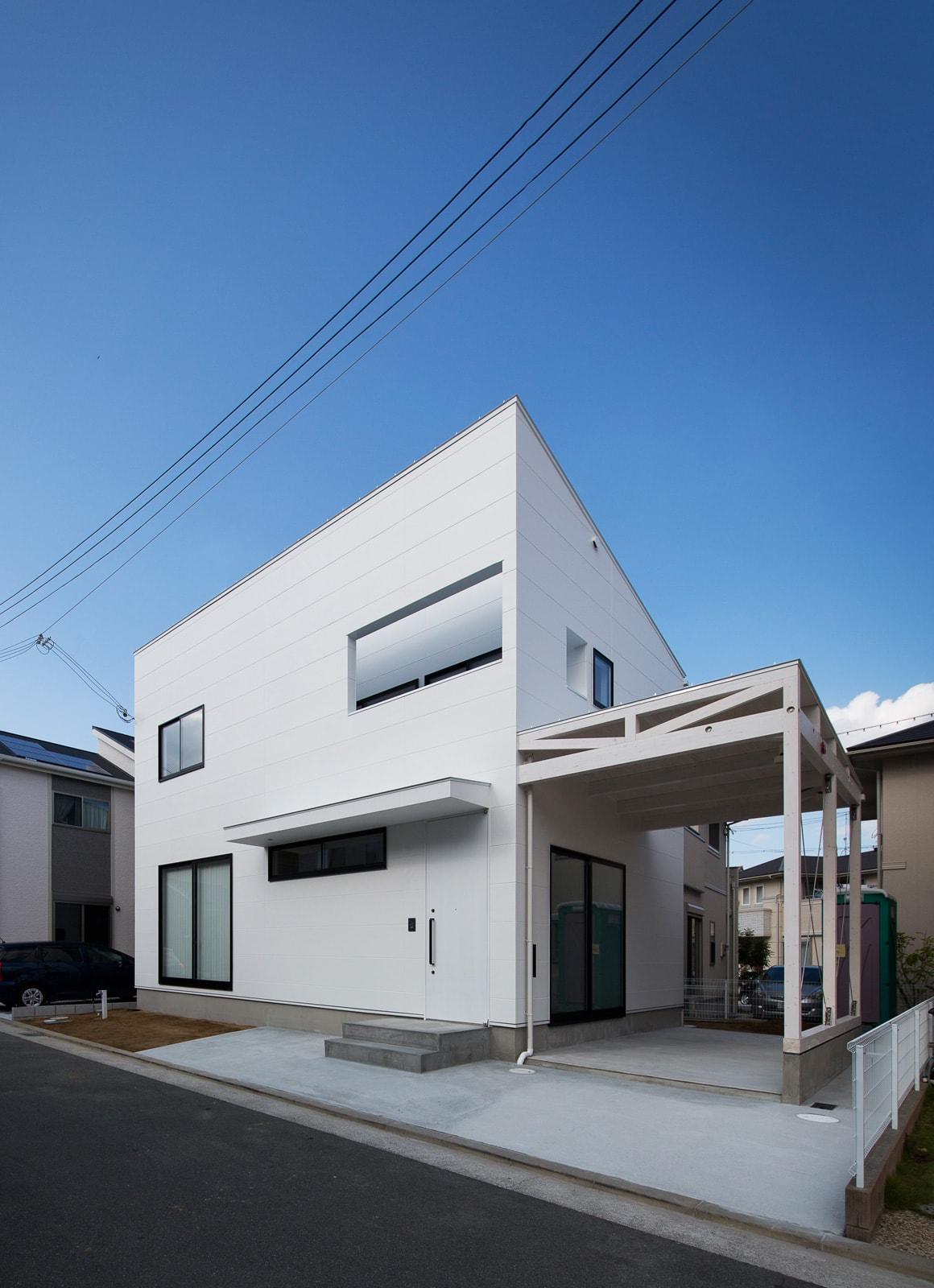 アンティーク家具の似合う家の外観1