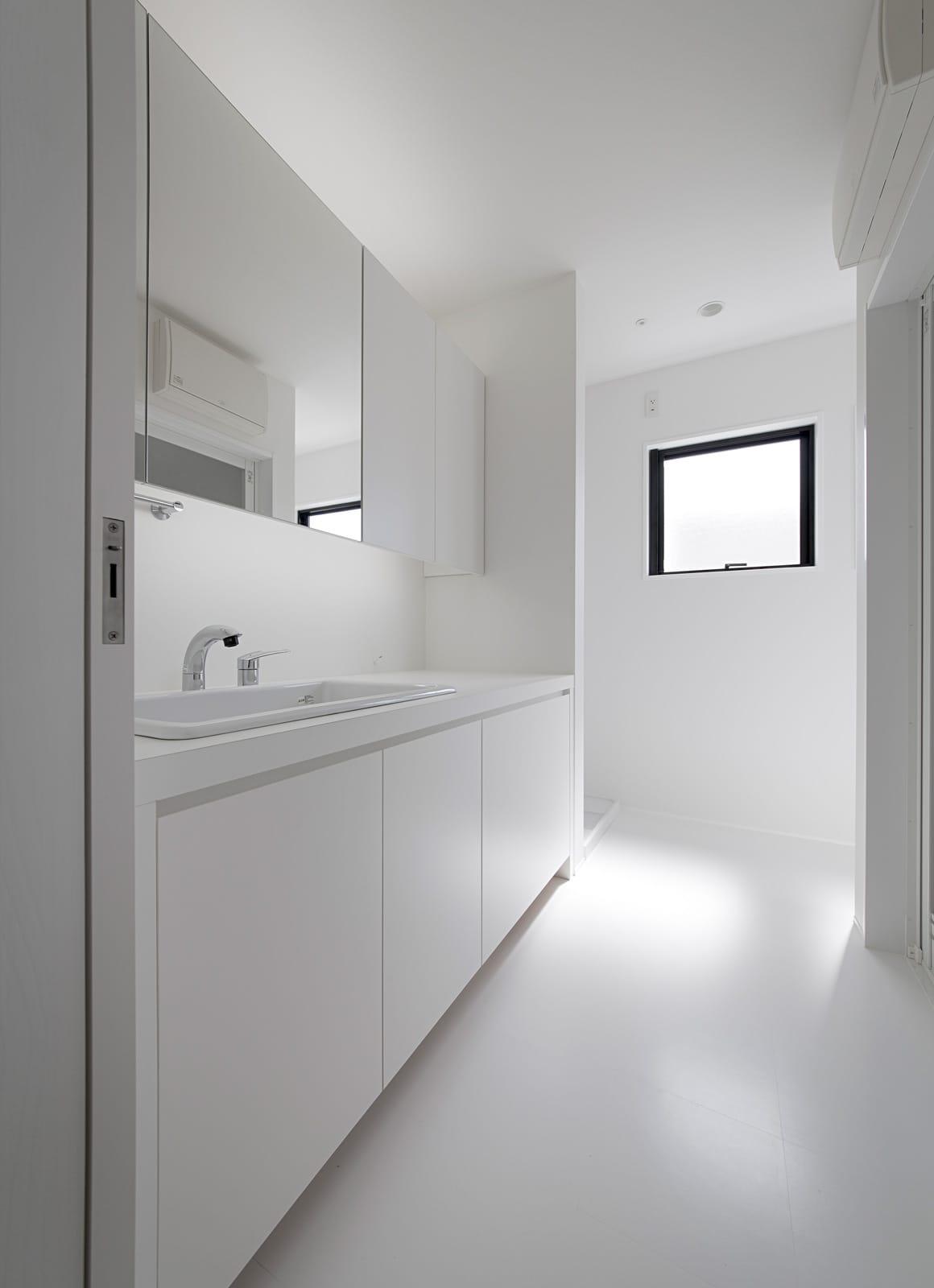 我ロータスの眠る家の浴室・洗面室2