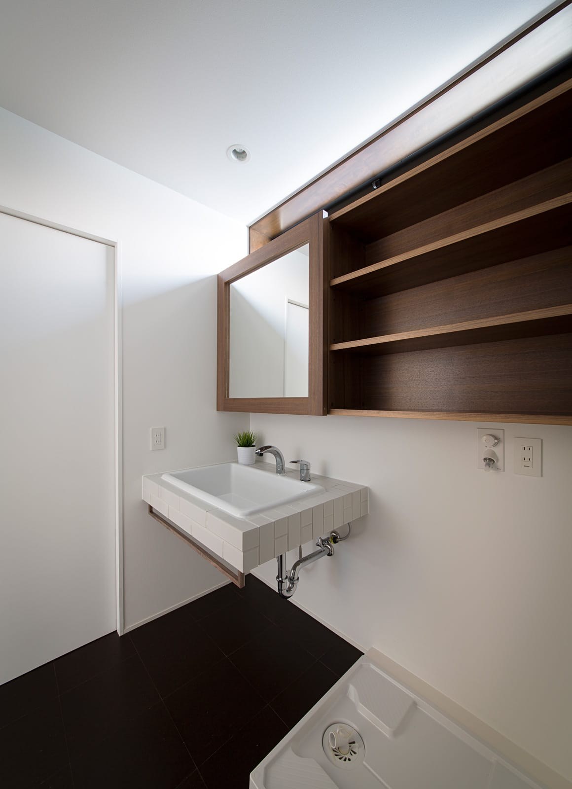 パン工房のある家の浴室・洗面室2