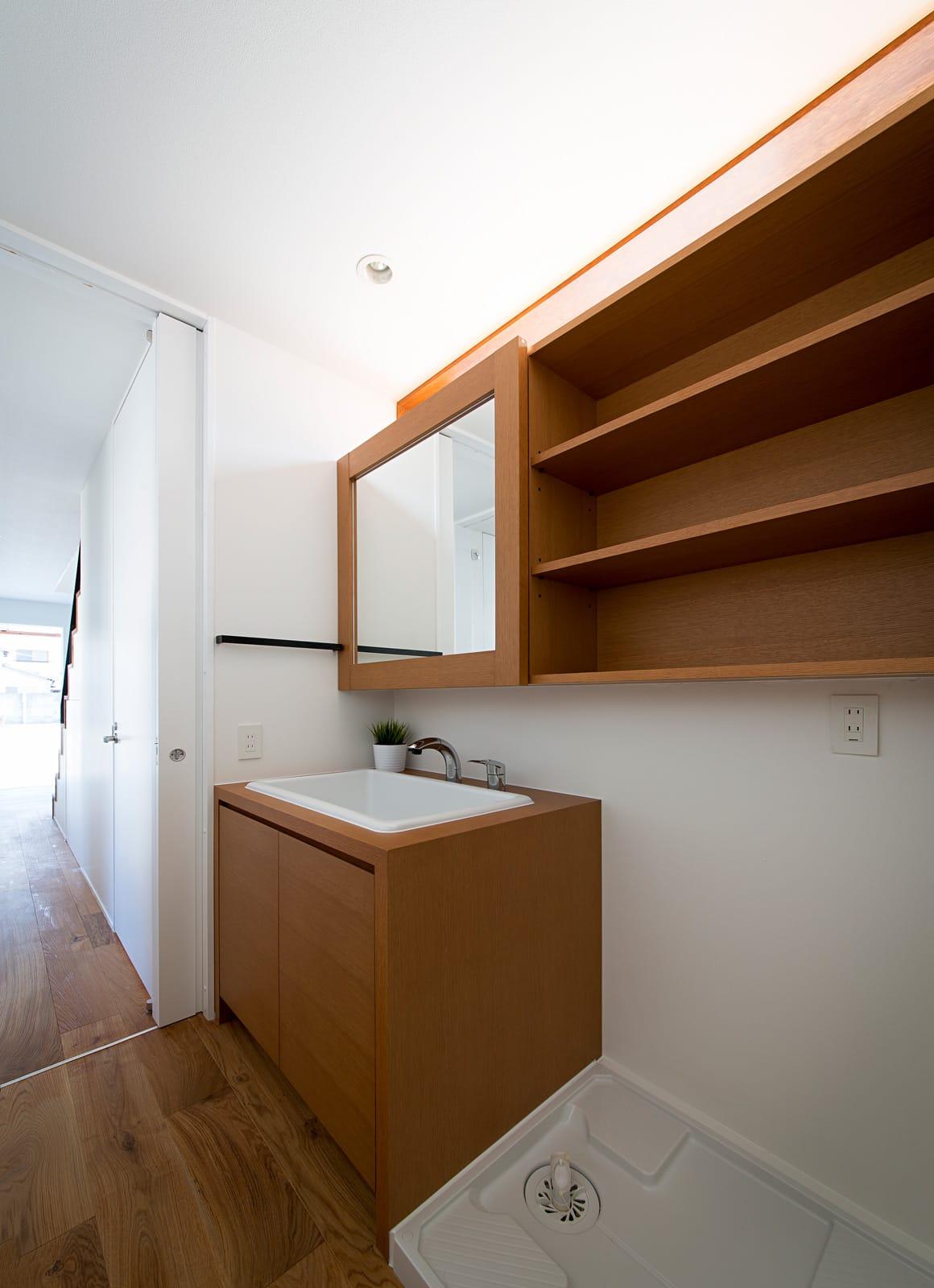 シンプルヴィンテージハウスの浴室・洗面室2