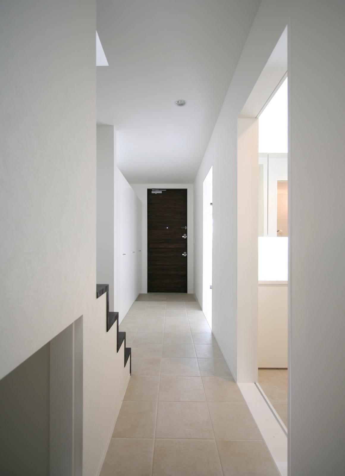 桜を眺める築40年の戸建住宅再生の玄関(土間・ホール)1