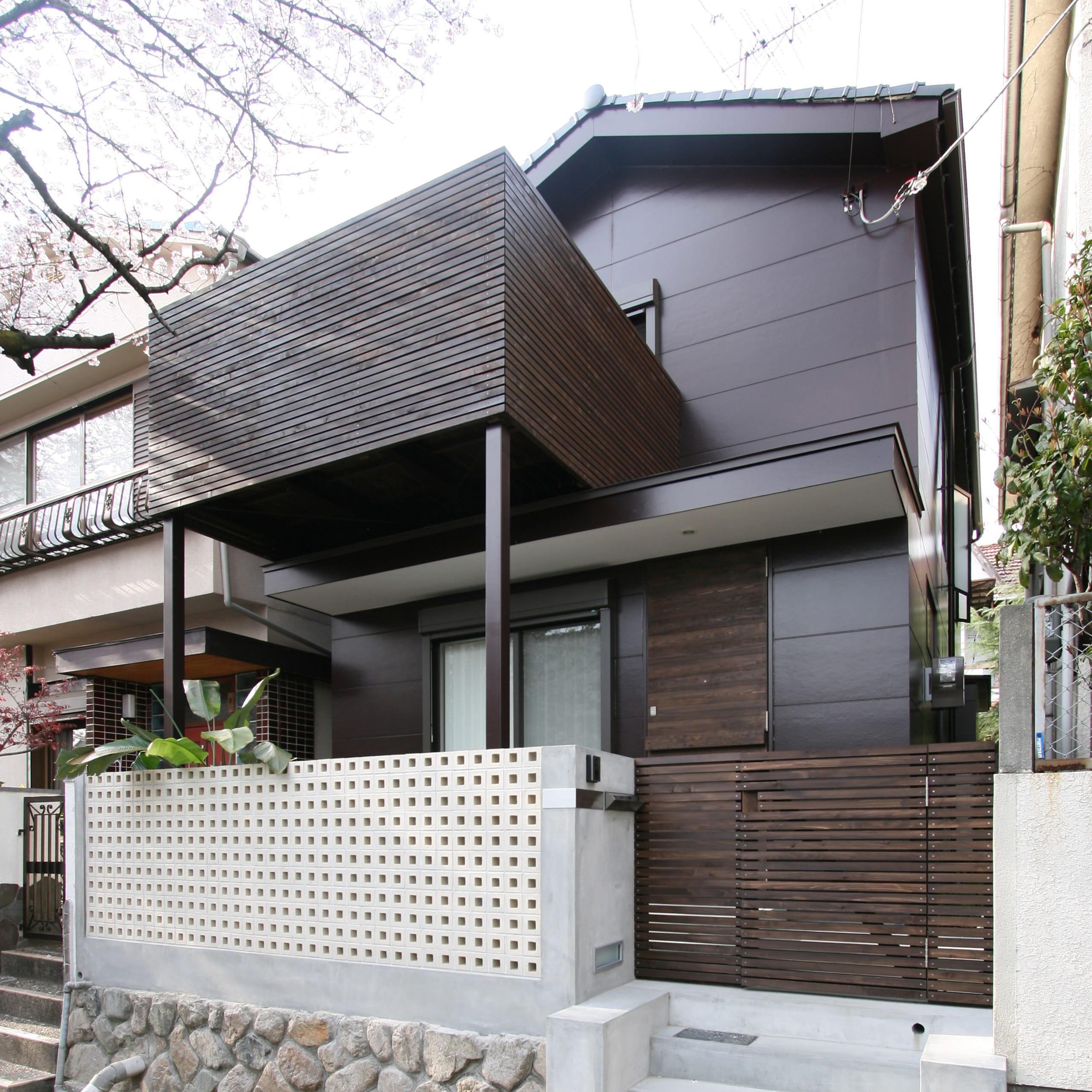 桜を眺める築40年の戸建住宅再生