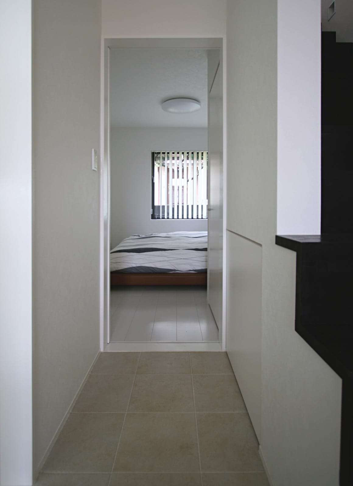 桜を眺める築40年の戸建住宅再生の部屋1