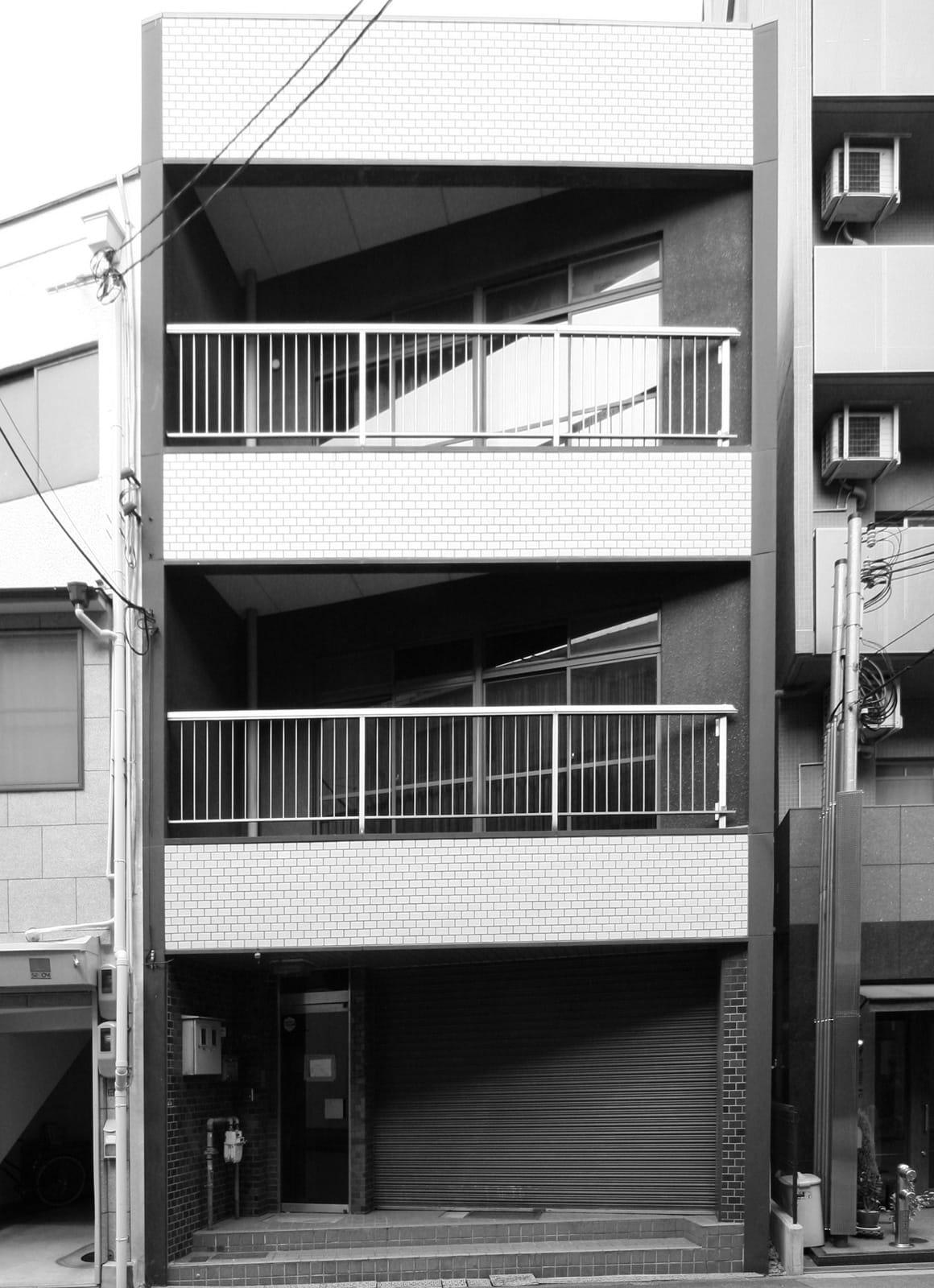 築34年の事務所ビルコンバージョンの改修前1