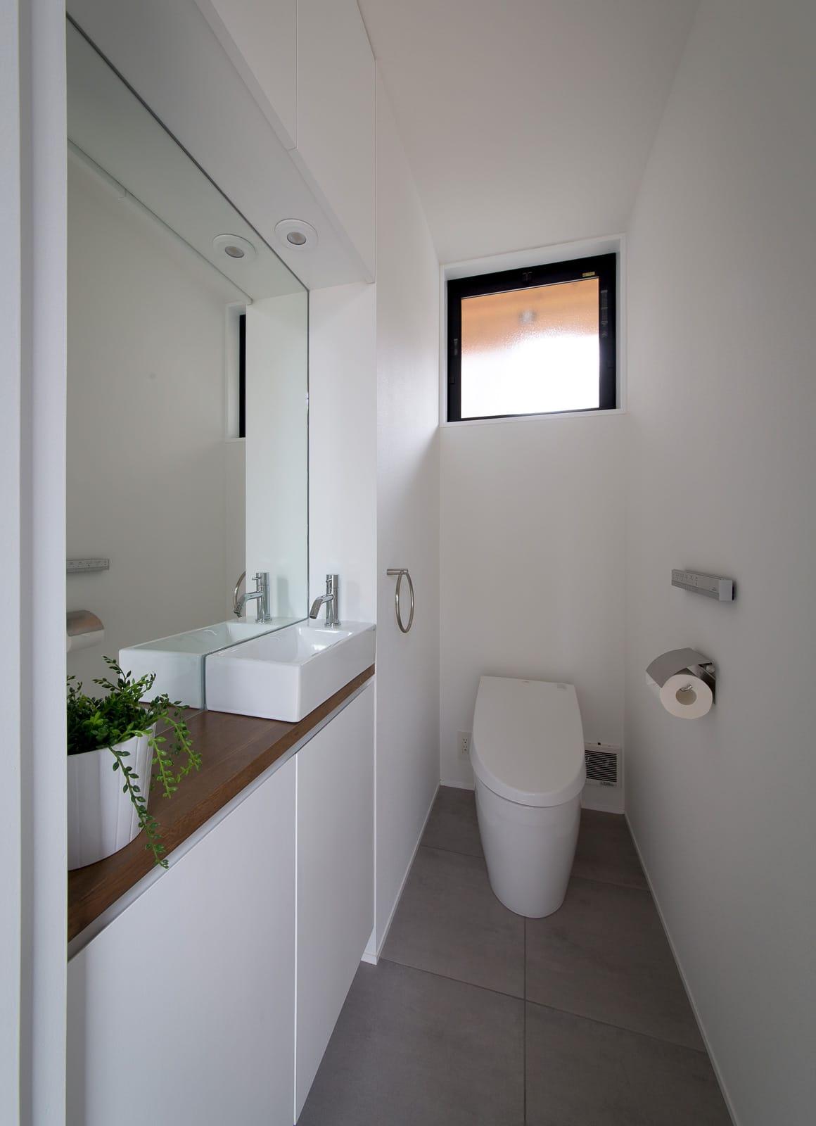 ノスタルジックグリーンハウスのトイレ1