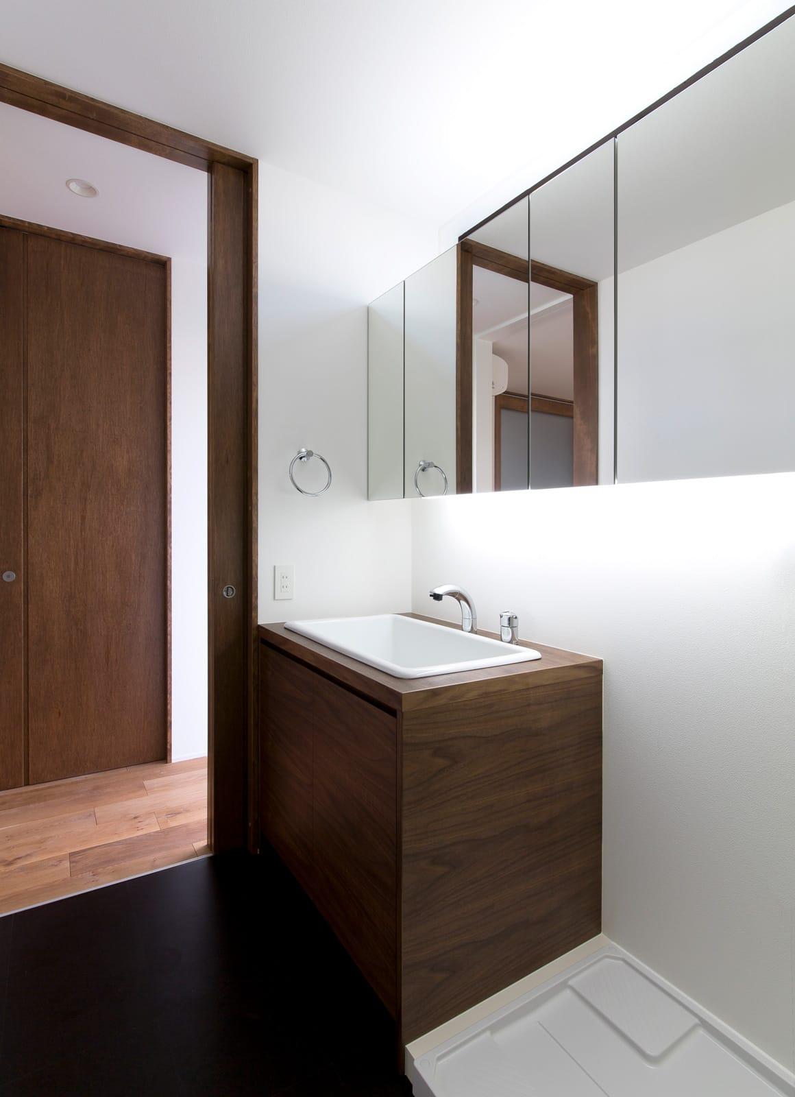 スキップギブソンハウスの浴室・洗面室1