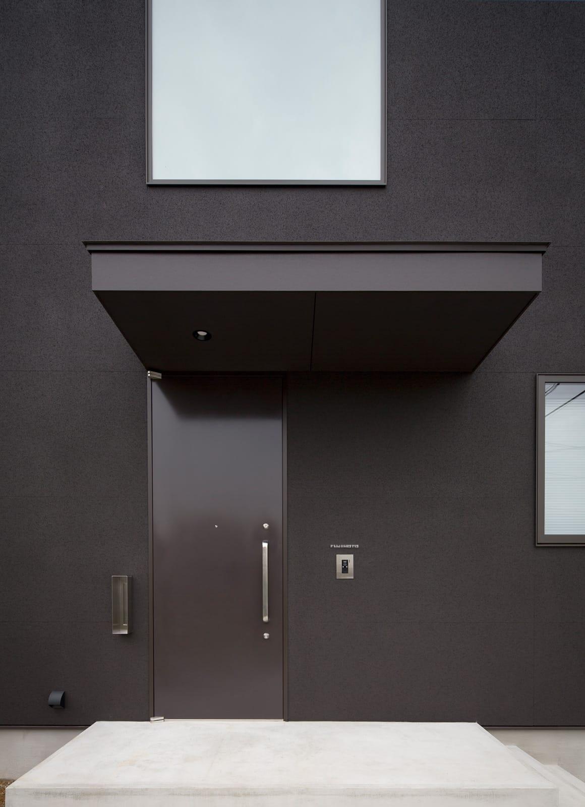 スキップギブソンハウスのポーチ・玄関扉1