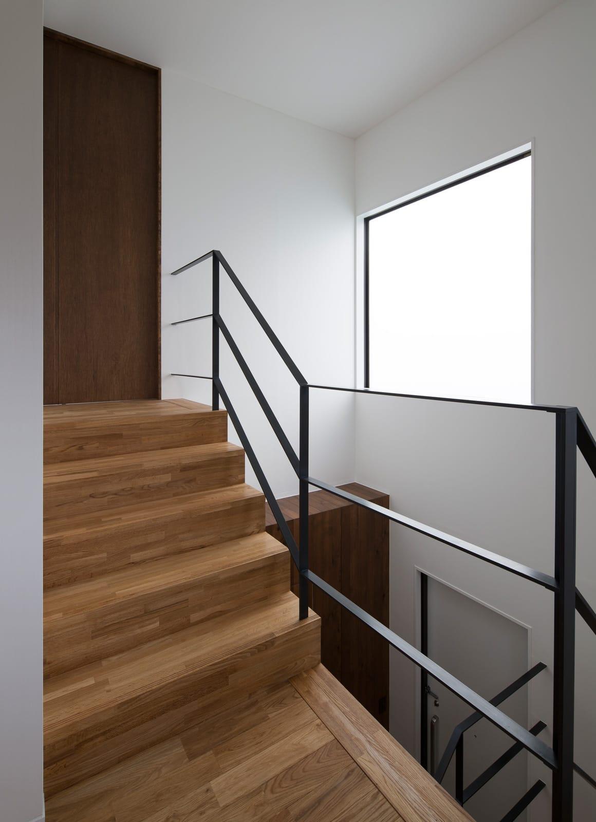 スキップギブソンハウスの階段(鉄骨製)1