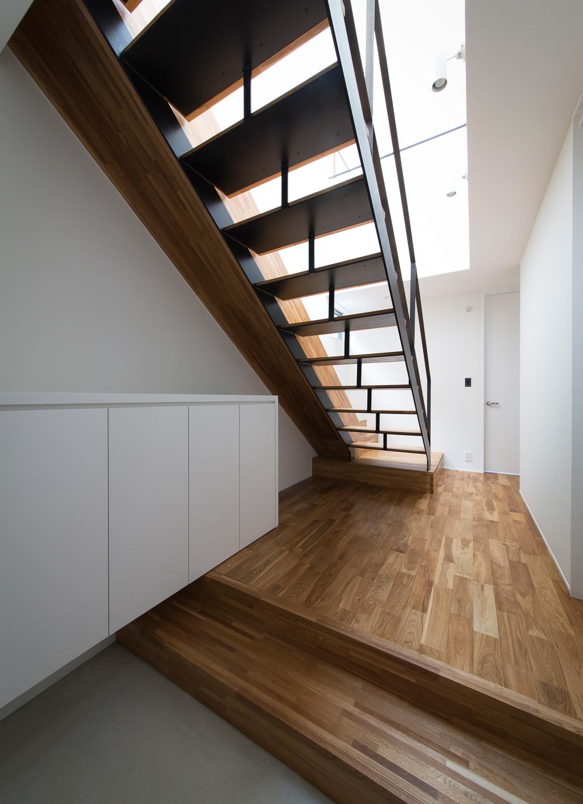スライダーハウスの階段2
