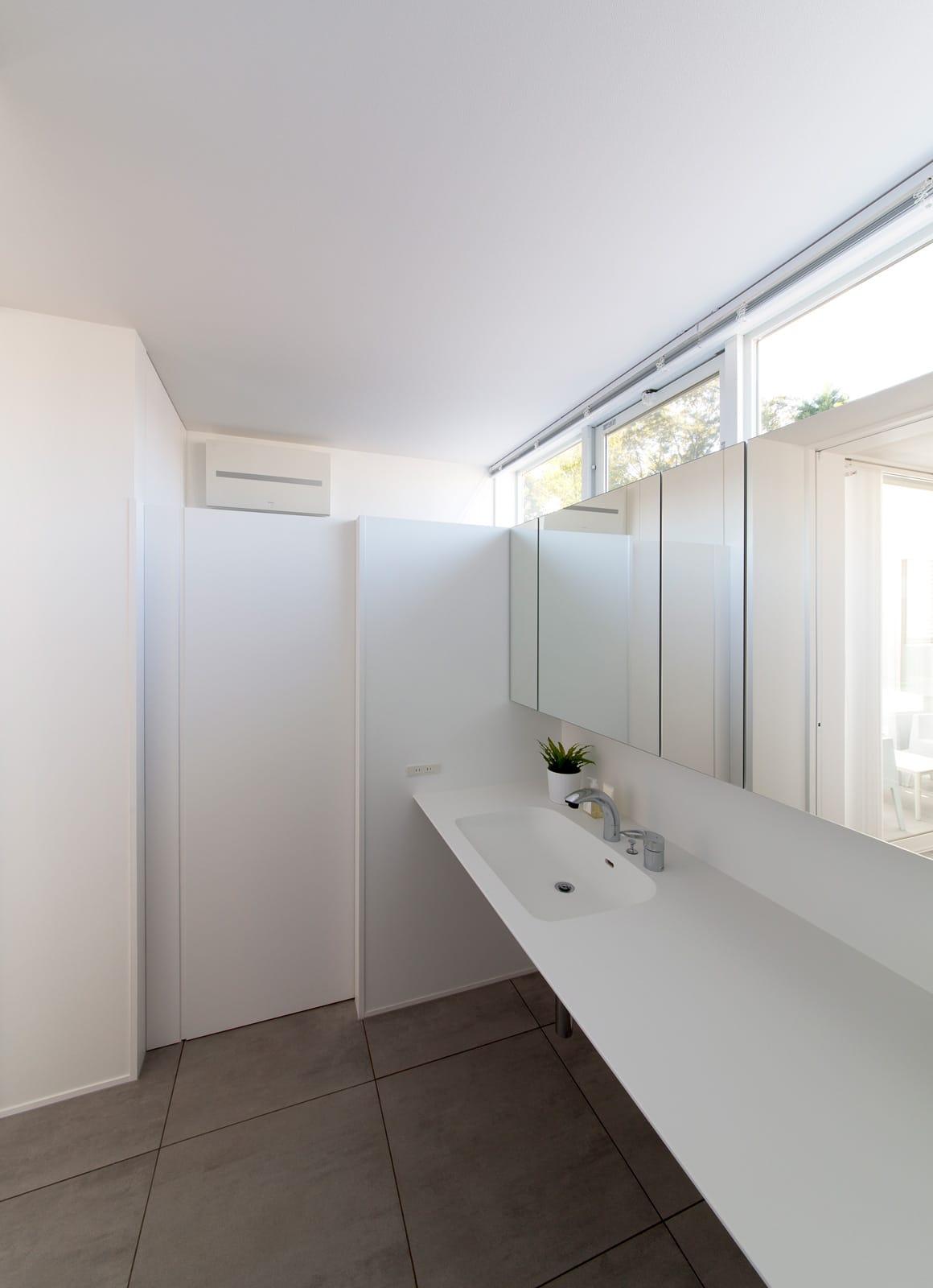 サンルームのある二世帯住宅の浴室・洗面室4