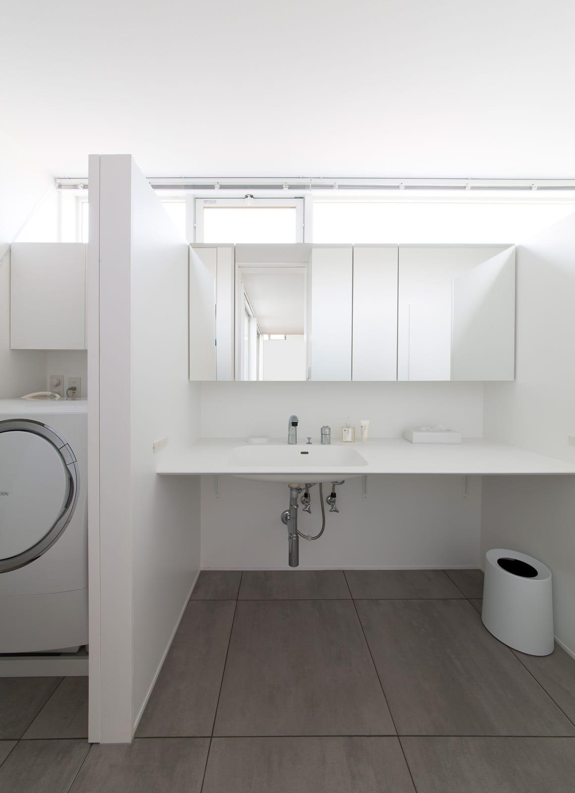 サンルームのある二世帯住宅の浴室・洗面室5