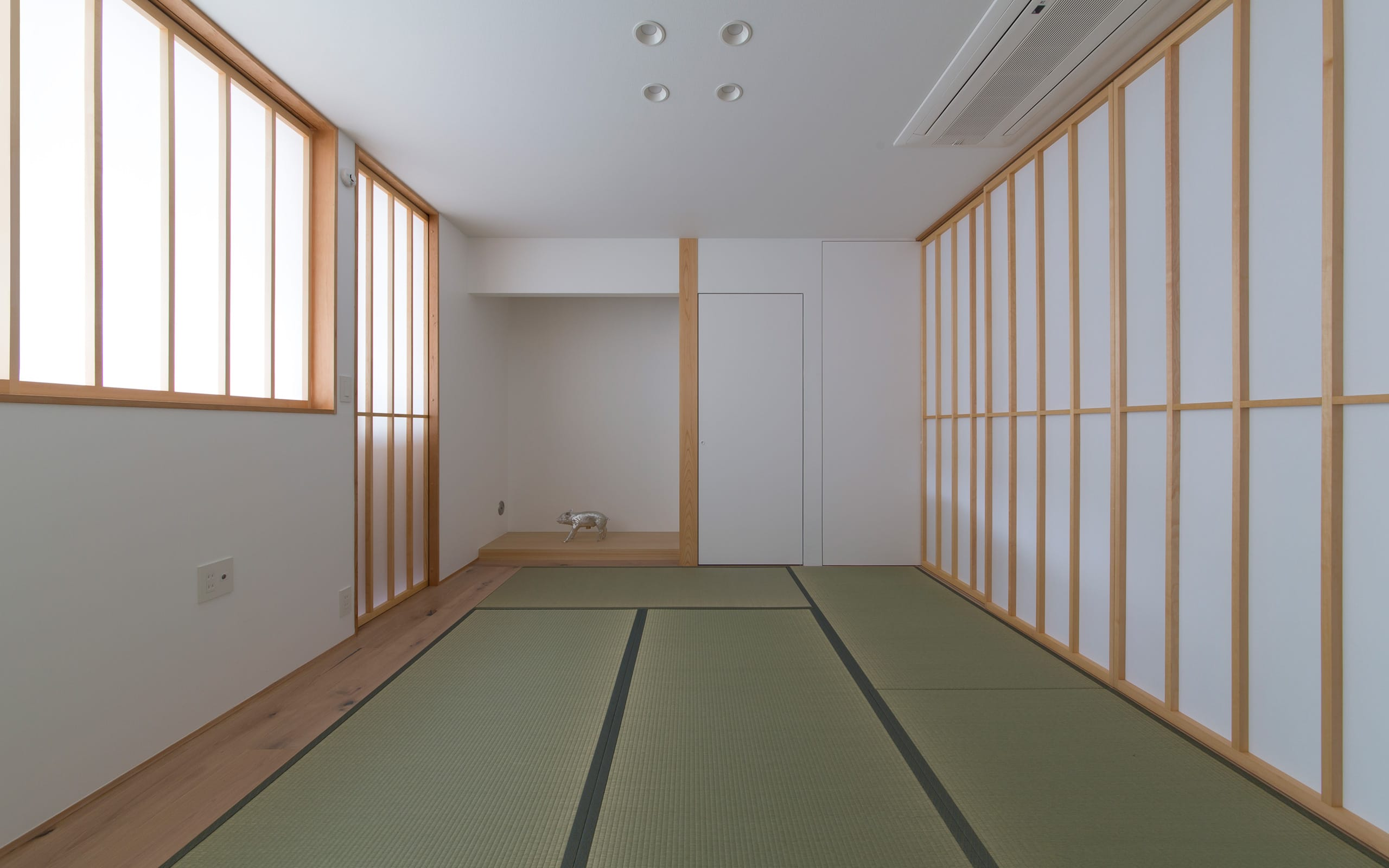 サンルームのある二世帯住宅の和室1