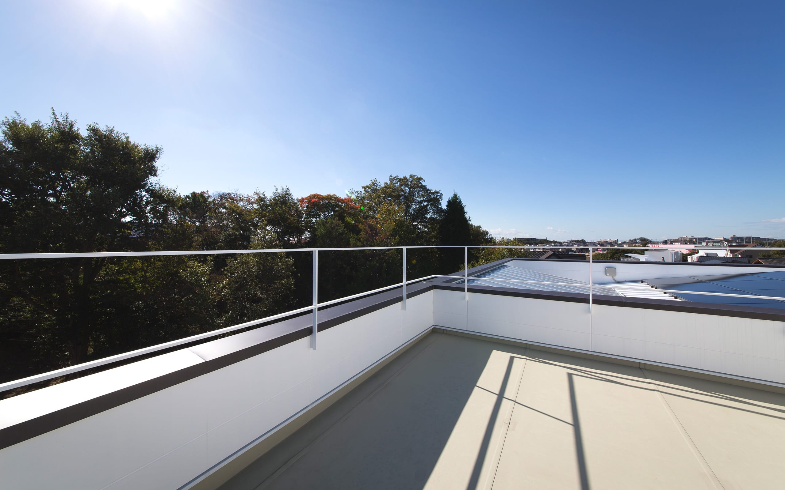 サンルームのある二世帯住宅の屋上・テラス1