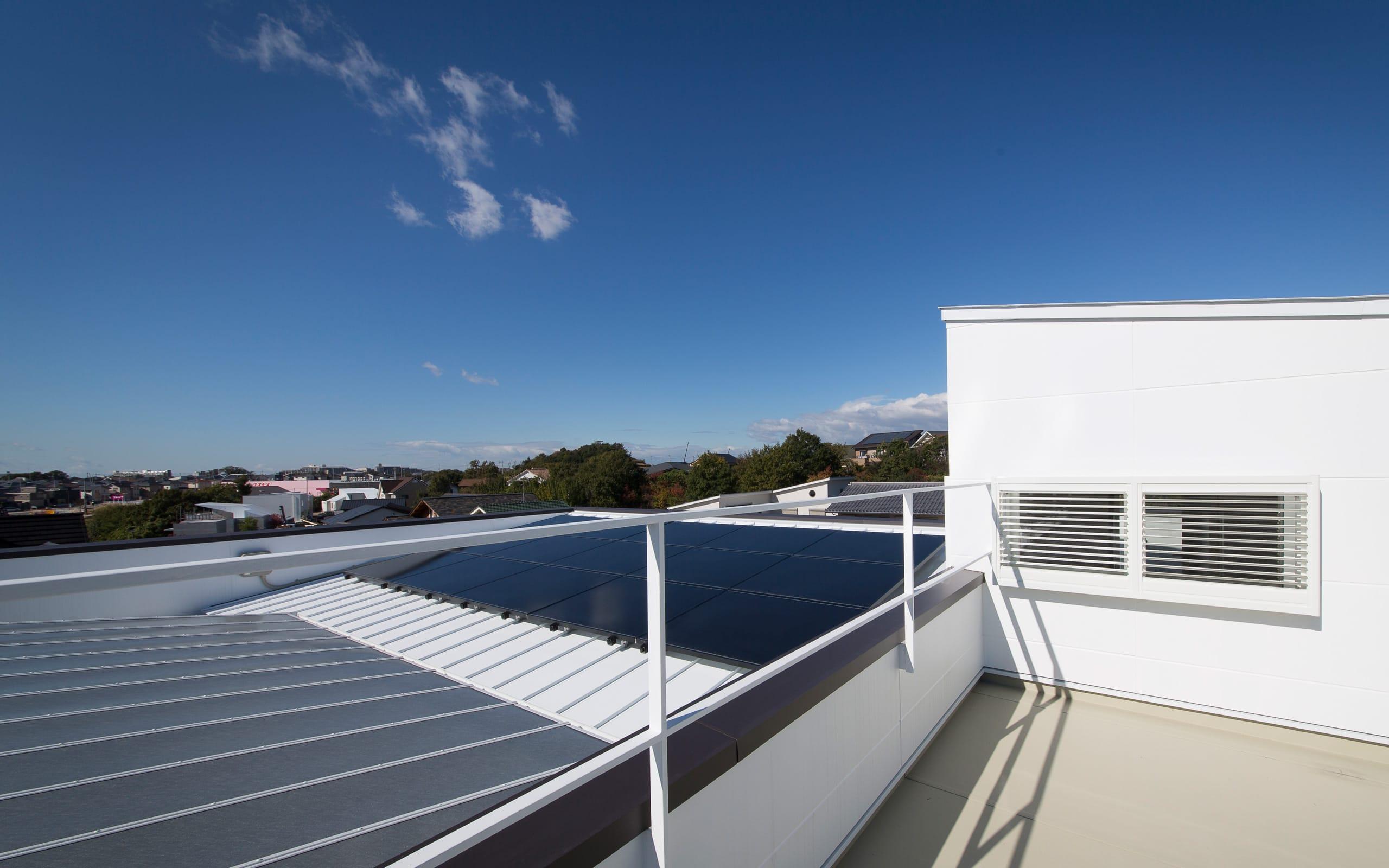サンルームのある二世帯住宅の屋上・テラス2