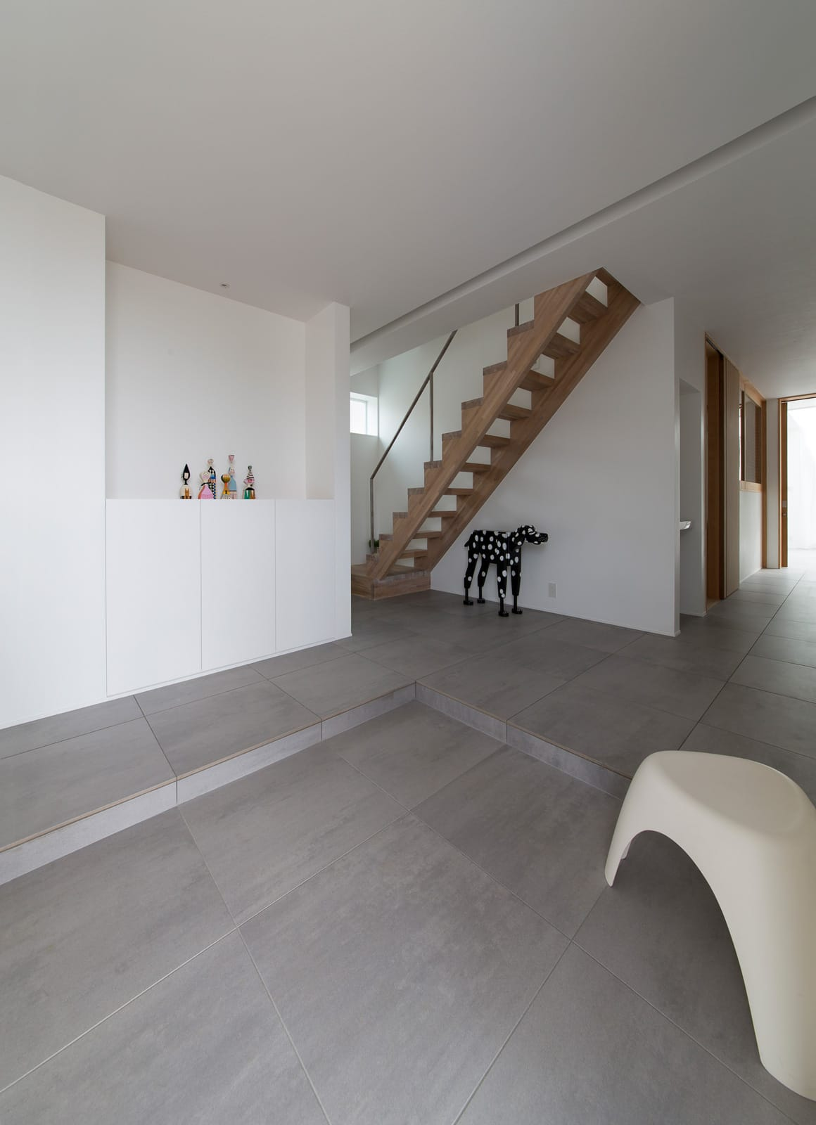 サンルームのある二世帯住宅の階段(木製)1