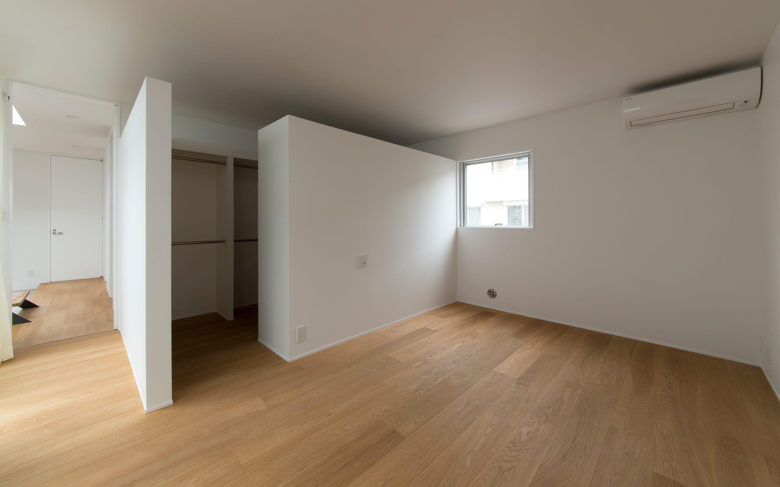 1.5階デッキのある家の部屋2