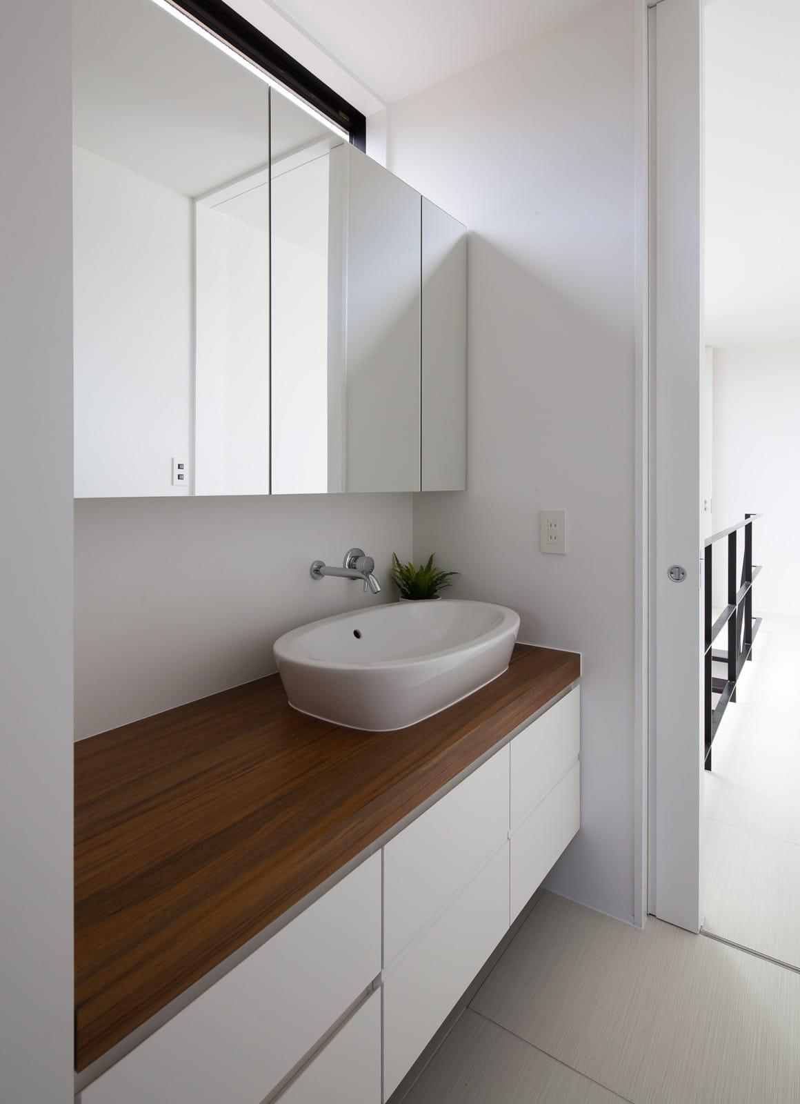 エクスチェンジハウスの浴室・洗面室1
