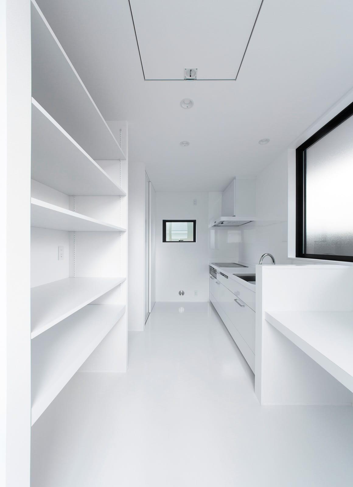 エクスチェンジハウスの収納(キッチン)1