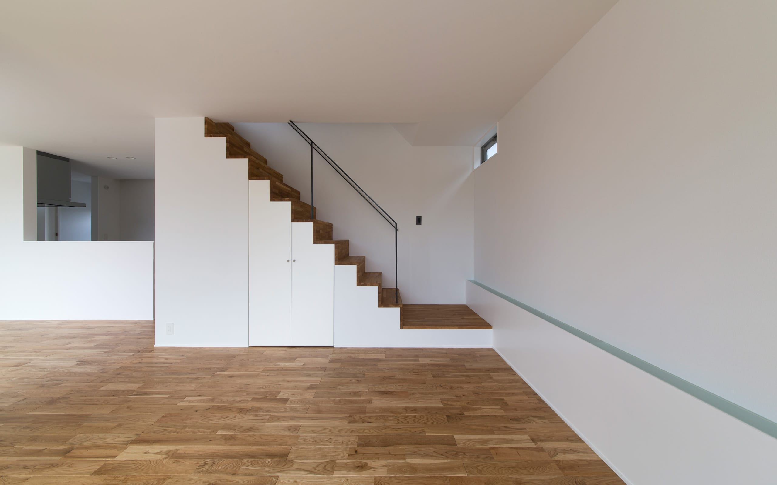 ジグザグハウスの階段(木製)1