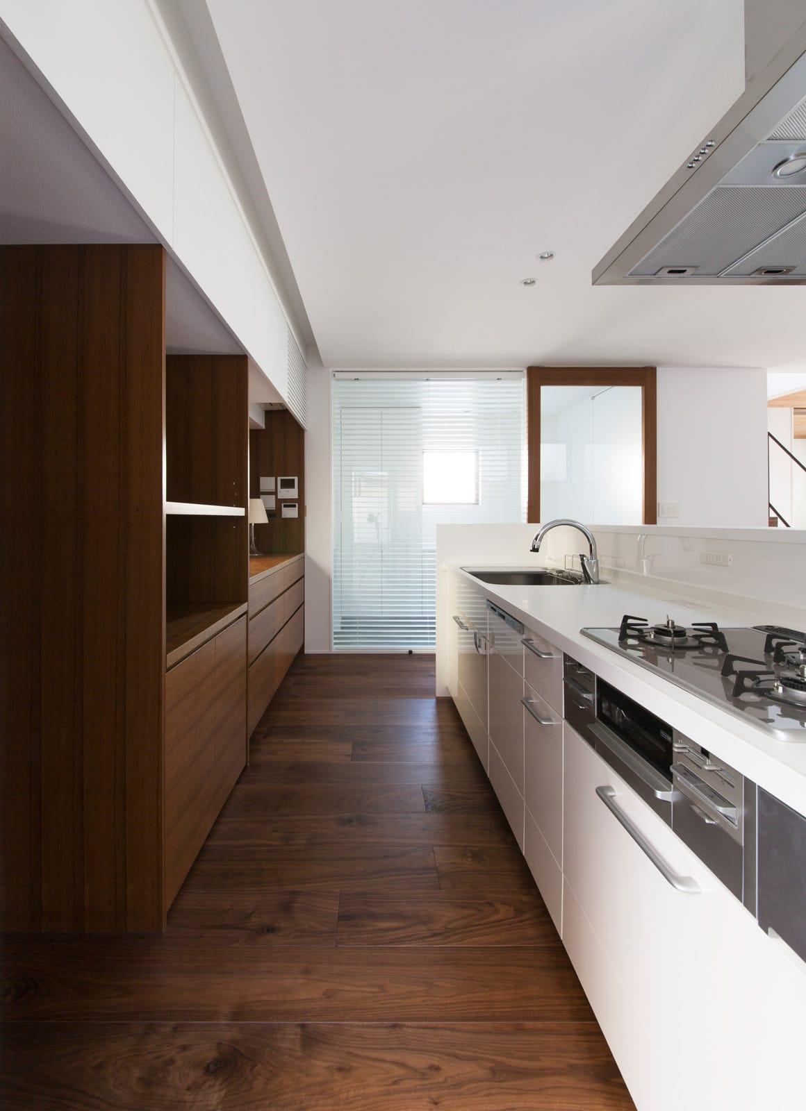枚方ミッドセンチュリーハウスのキッチン1