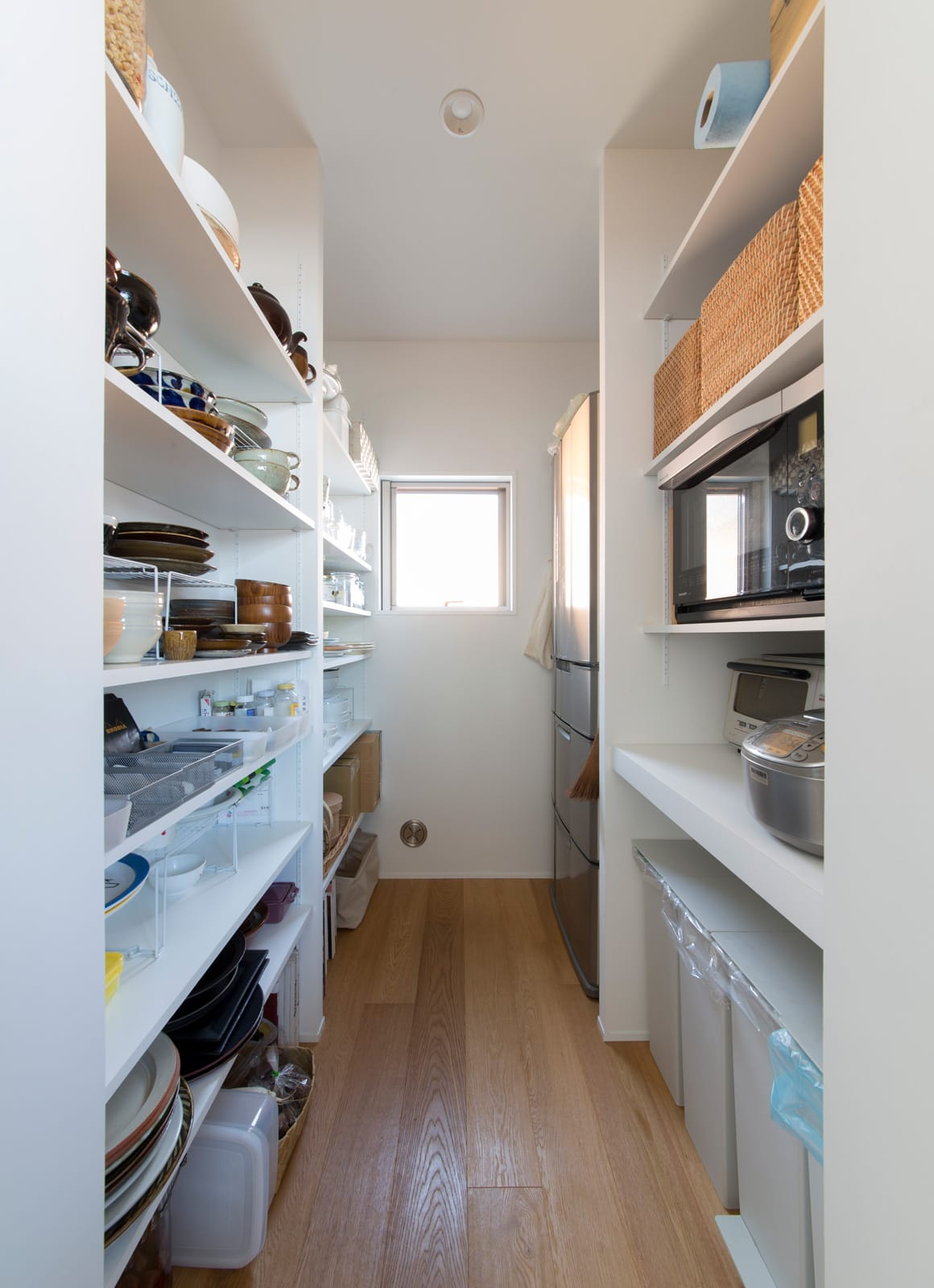 塩屋 No.1 ハウスの収納(キッチン)1
