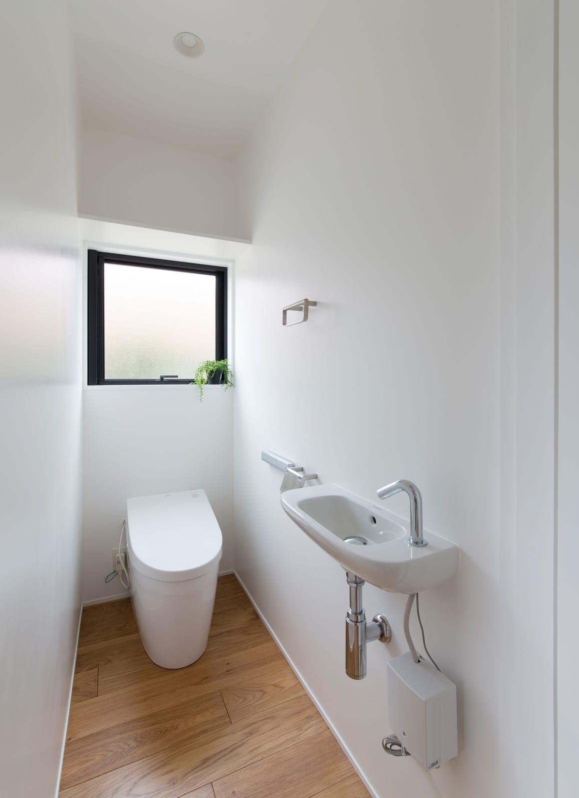 突き抜ける家のトイレ1