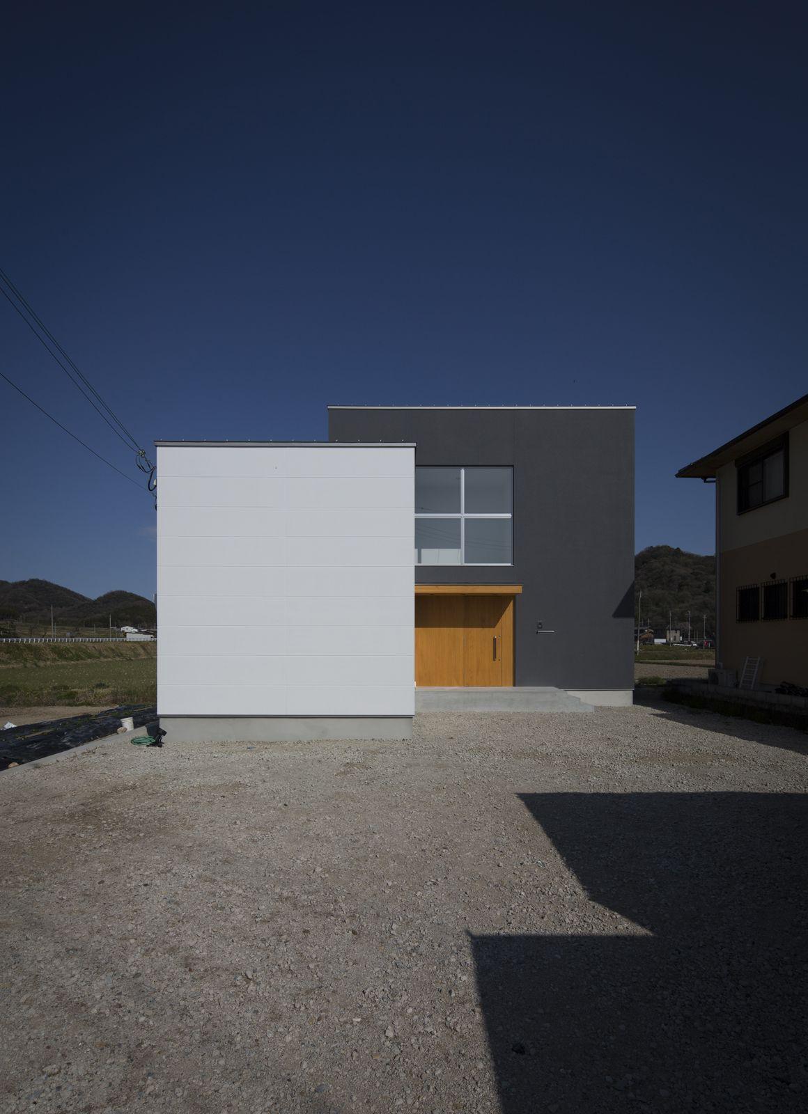 ヌーディストテラスハウスの外観1
