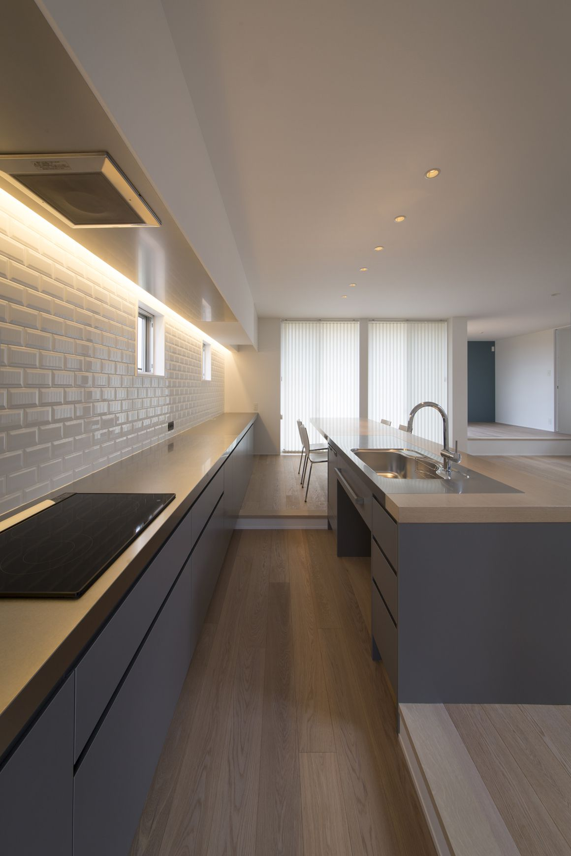 ヌーディストテラスハウスのキッチン1