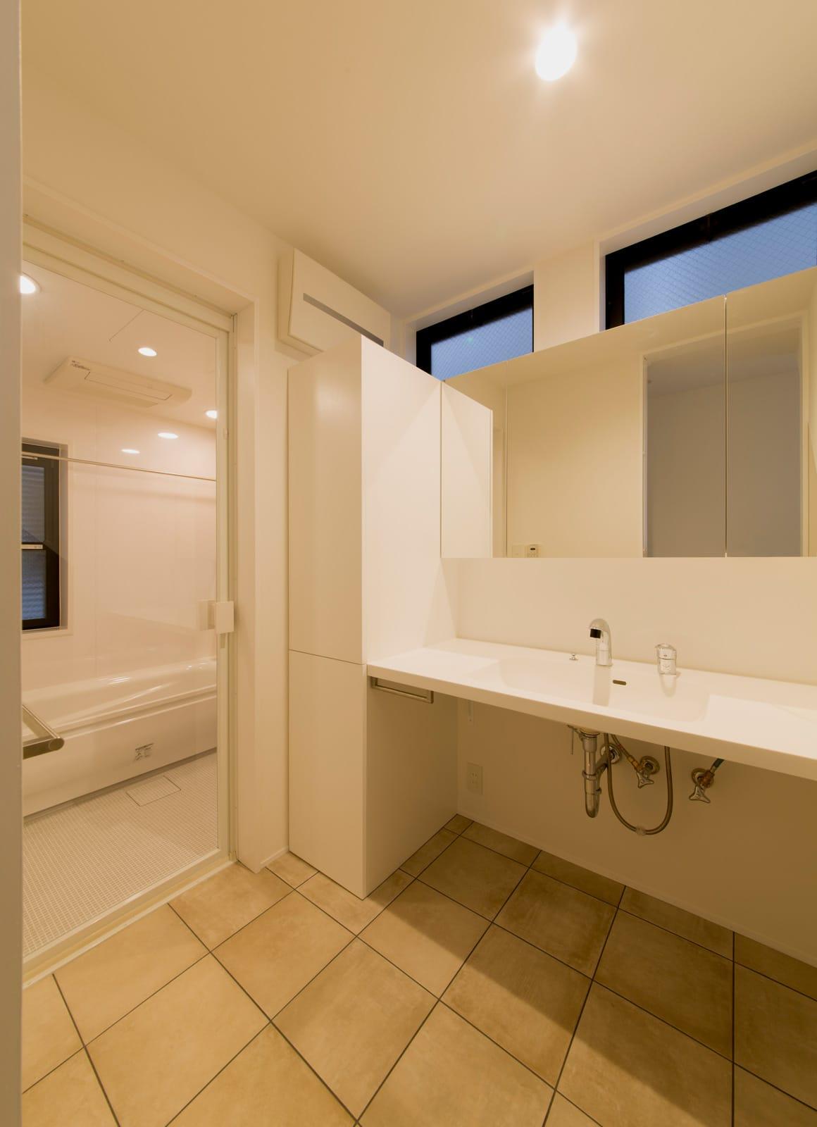 フィッシャーマンハウスの浴室・洗面室1
