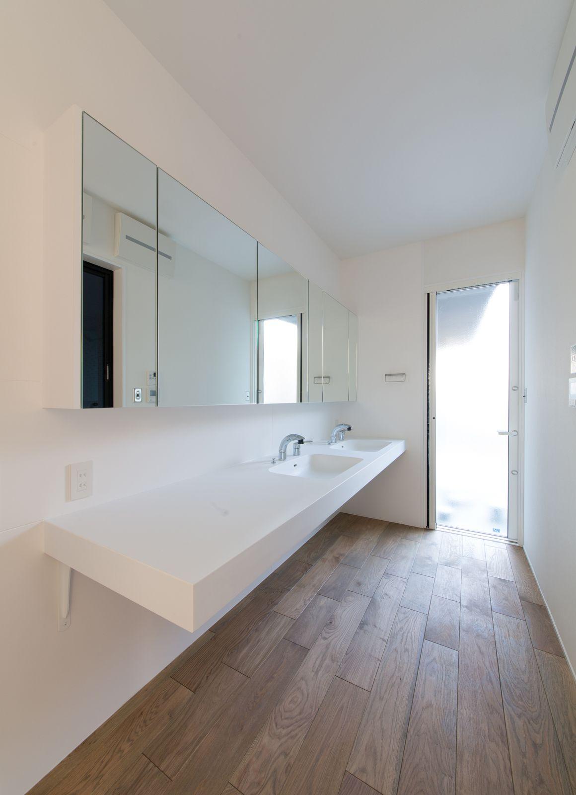 秘密の花園ハウスの浴室・洗面室1
