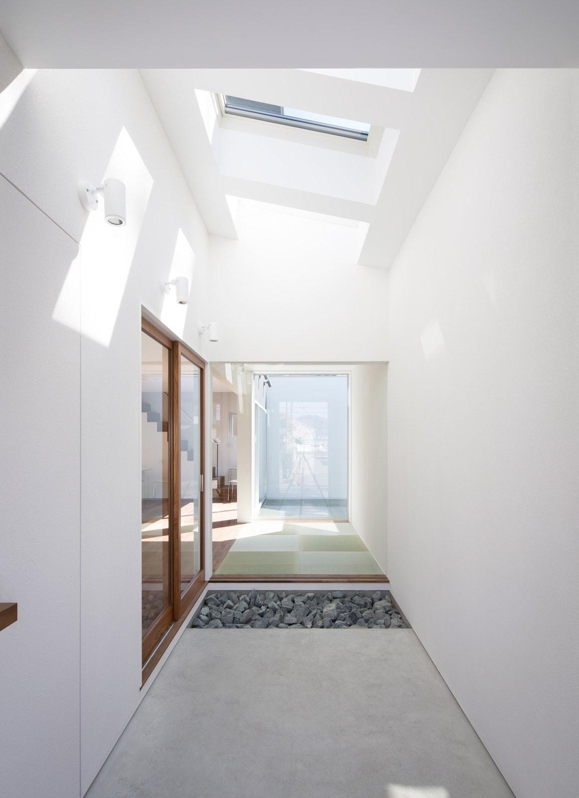 内外の家の玄関(土間・ホール)2
